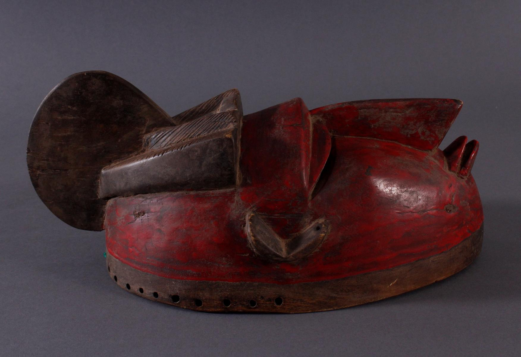 Antike Maske der Baule, Elfenbeinküste 1. Hälfte 20. Jh.Holz geschnitzt, dunkle Patina, partiell rot - Bild 2 aus 6