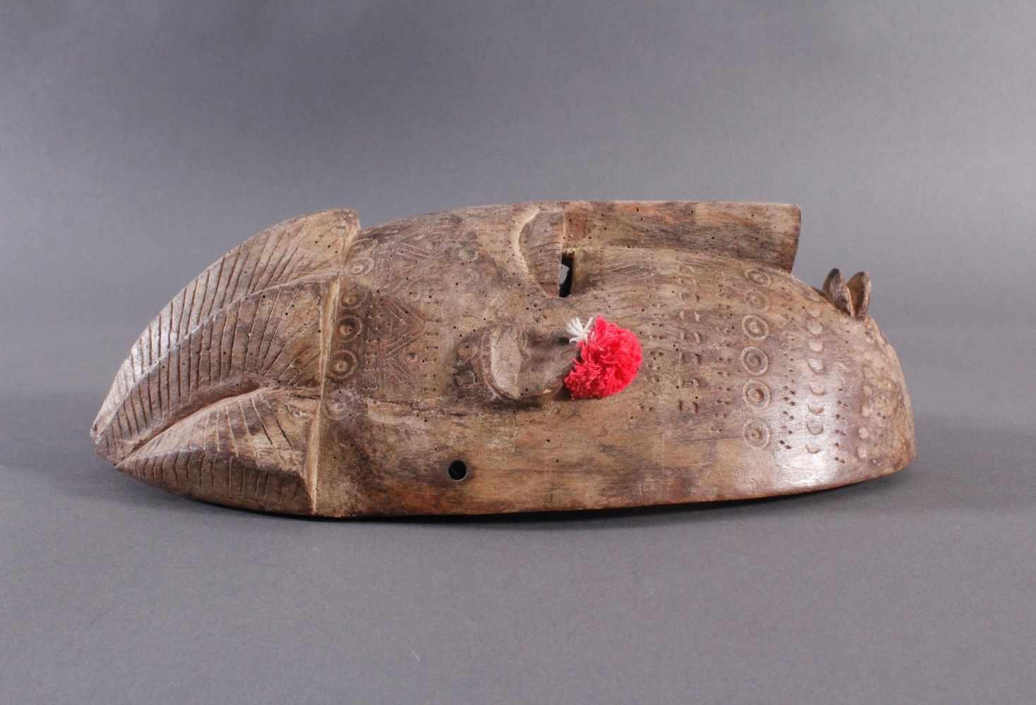 Antike Maske, Bambara, Mali 1. Hälfte 20. Jh.Holz geschnitzt, Musterritzungen, kleine Quasten als - Bild 2 aus 5