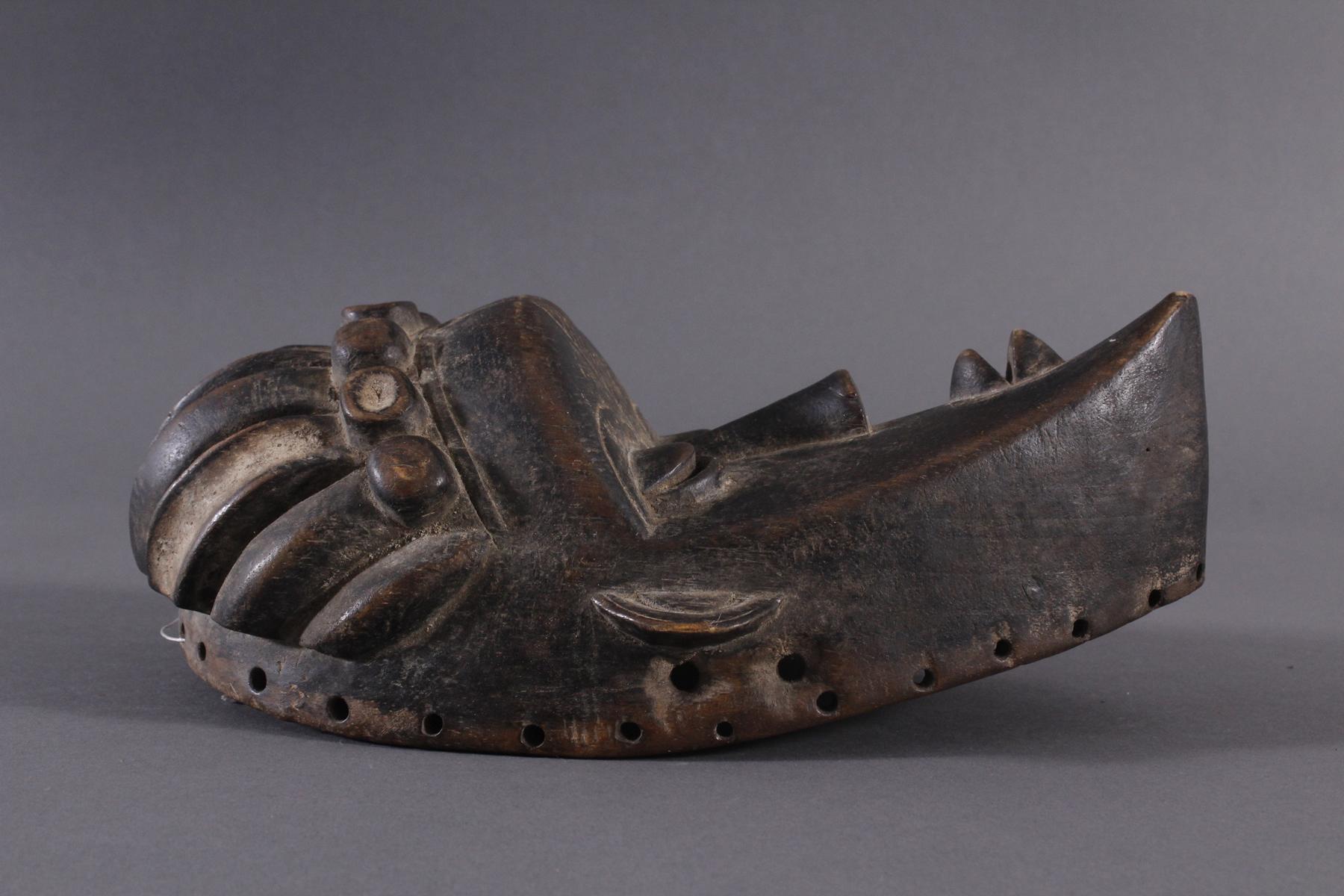Antike Maske, Bassa, Liberia 20. Jh.Holz geschnitzt, dunkle Patina,ovales Gesichtsfeld mit spitz - Bild 2 aus 6