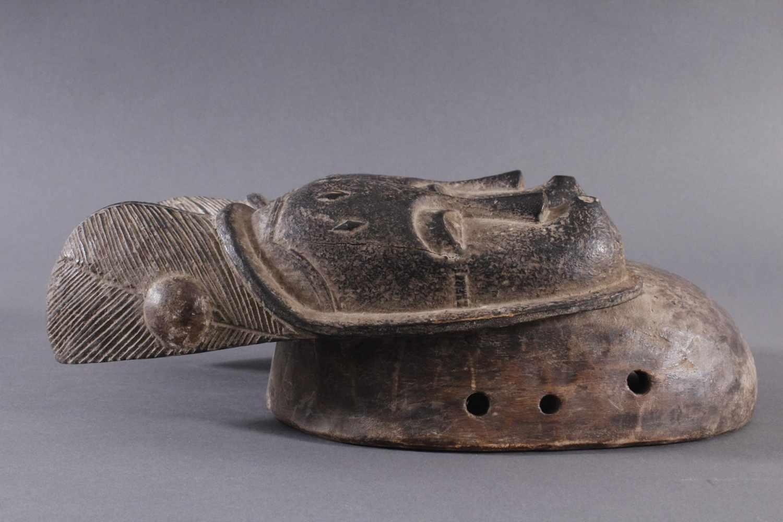Antike Zwillingsmaske der Baule, Elfenbeinküste, 1. Hälfte 20. Jh.Holz geschnitzt, dunkle Patina. - Bild 2 aus 6