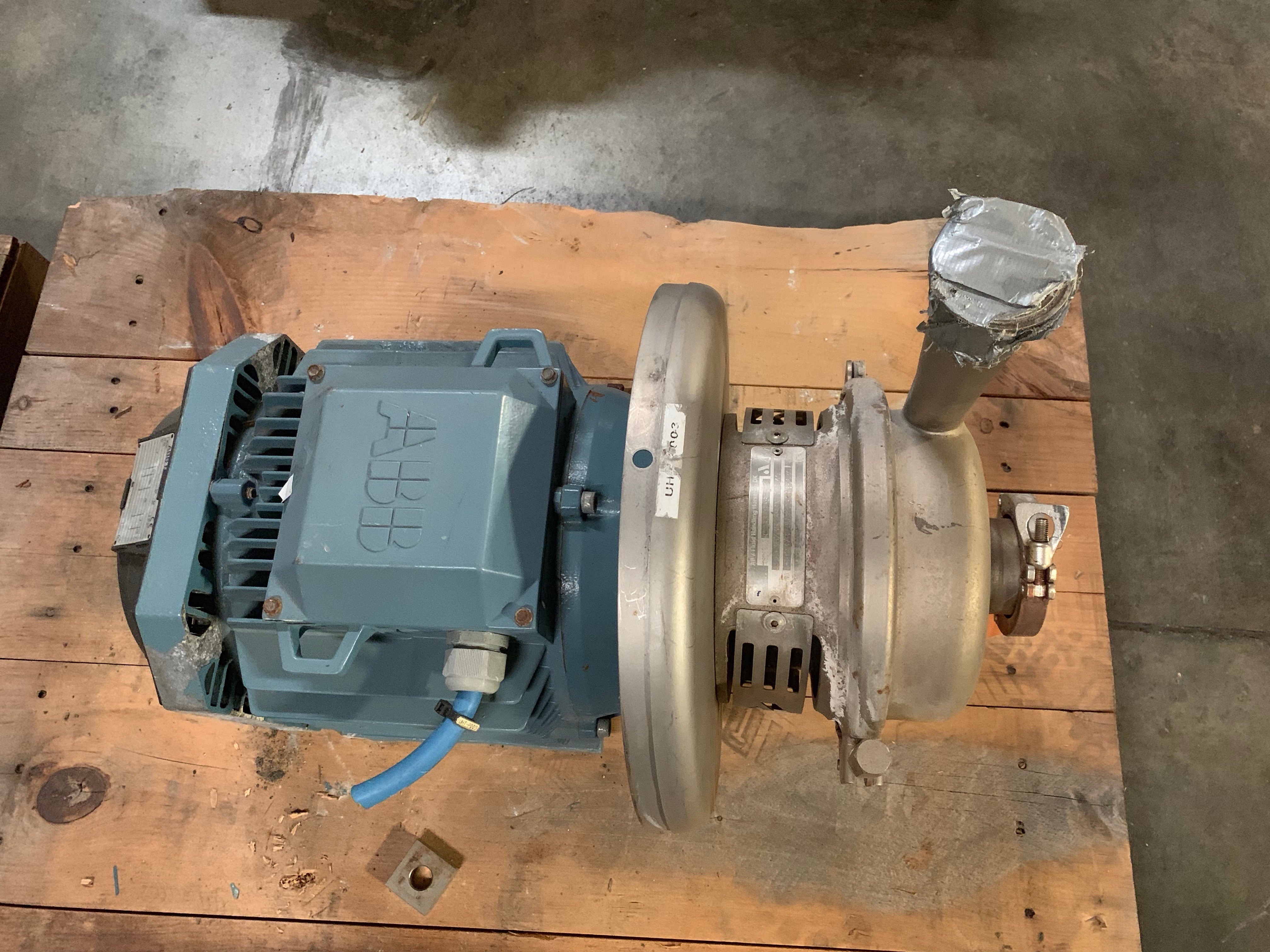 Lot 2 - APV CENTRIFUGAL PUMPHorsens PumpType W+35/35 - 380N 140SN 582373705210310656302.5in inlet 1.5in