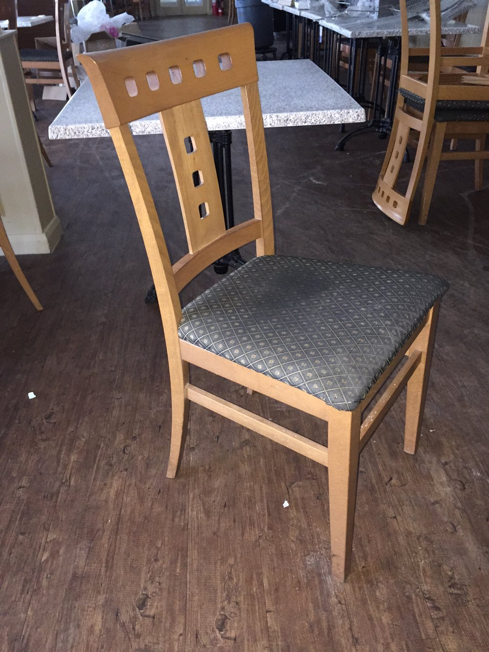 lot 323 20x good quality dining room chairs