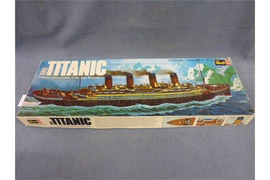Boxed Revell RMS Titanic 1:570 scale unmade with instructions