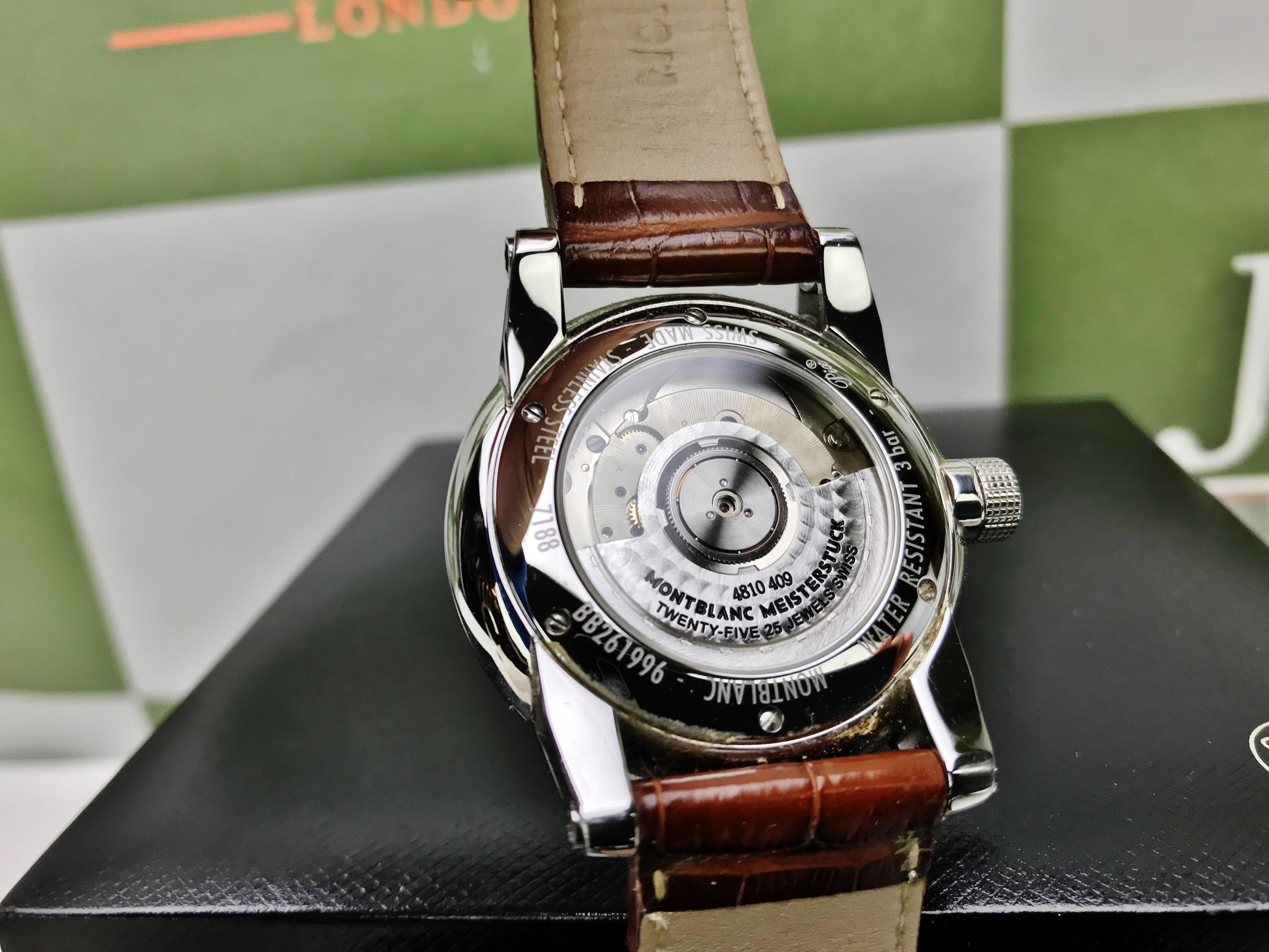 Lot 27 - Montblanc Rose Gold Edition Timewalker