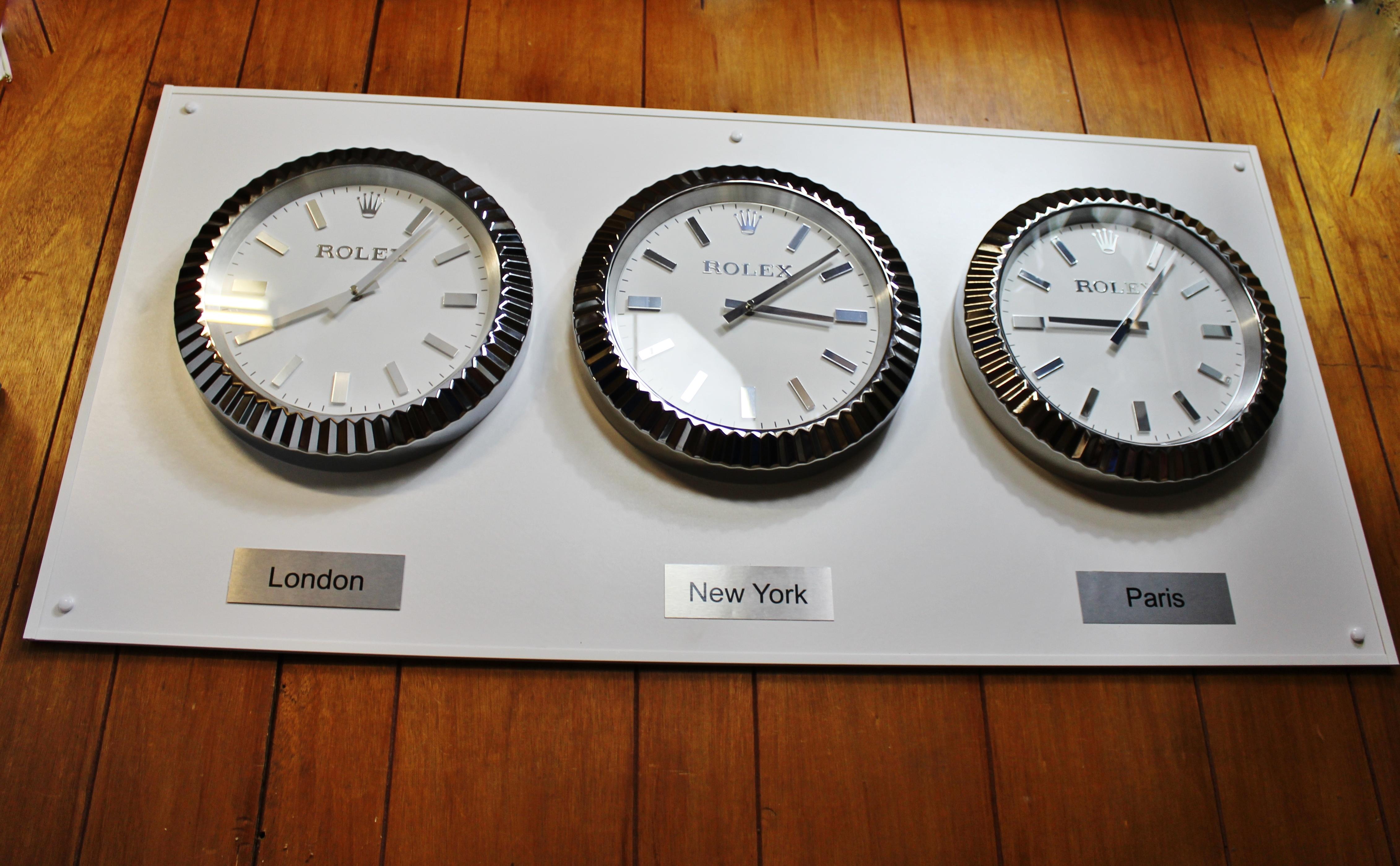 "Lot 18 - Full Size Rolex ""World Capitals"" Clocks 4ft x 2ft Display!"
