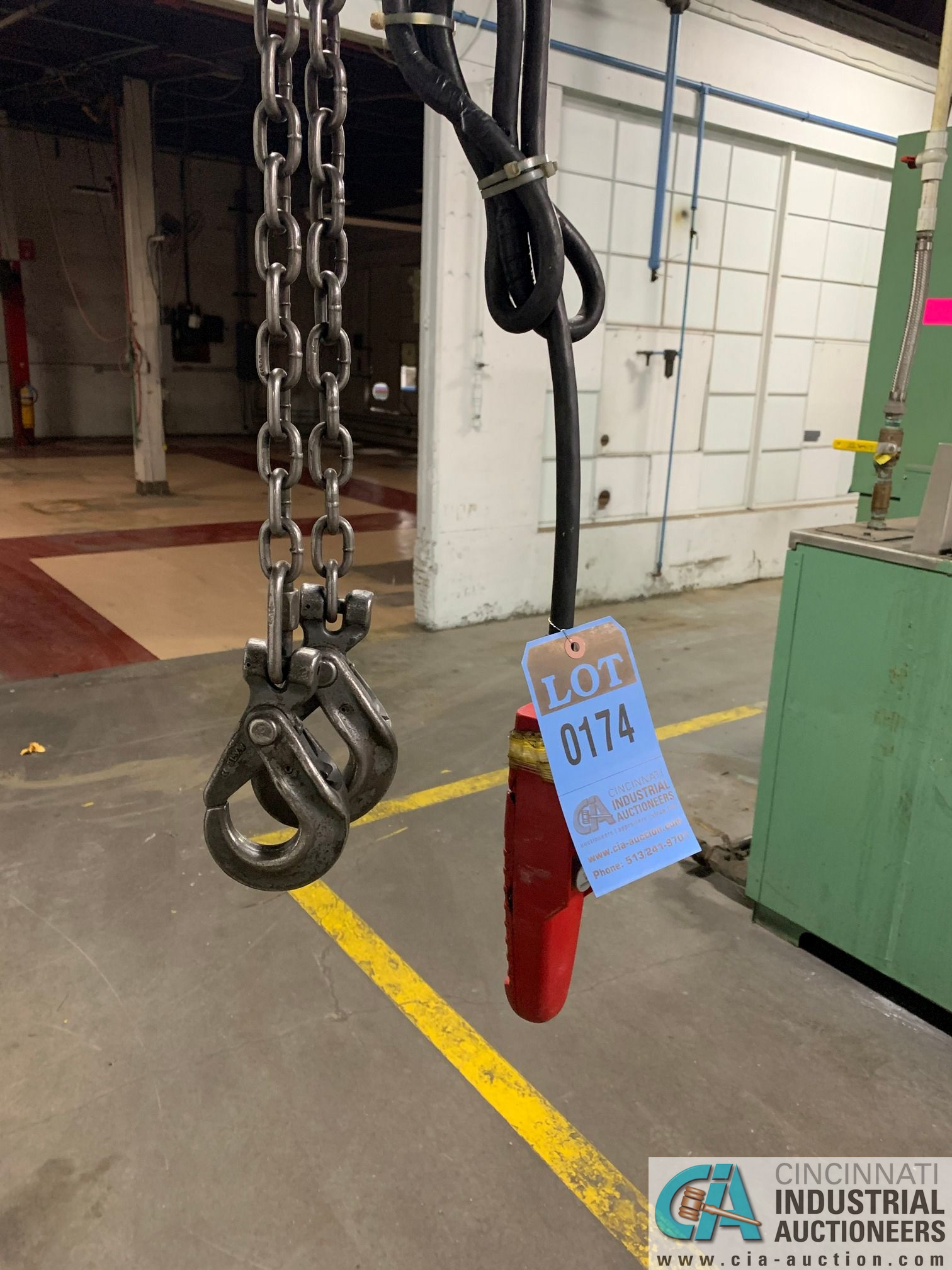 1/2 HP DAYTON PENDANT CONTROL CHAIN HOIST WITH TROLLEY - Image 2 of 3