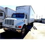 2000 INTERNATIONAL 4700 T444E WHITE TRUCK (RUNNING)              VIN #