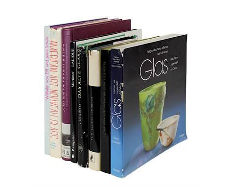 Acht Bücher zur Glaskunst, 2. H. 20. Jh.: Von Saldern, A. Glas von der Antike bis zum Jugendstil,, Katalog Sammlung Hans Cohn