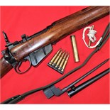 WW2 No.4 Mk1.303 SMLE rifle with sling, bayonet, oil bottle, pull through & ammunition clip