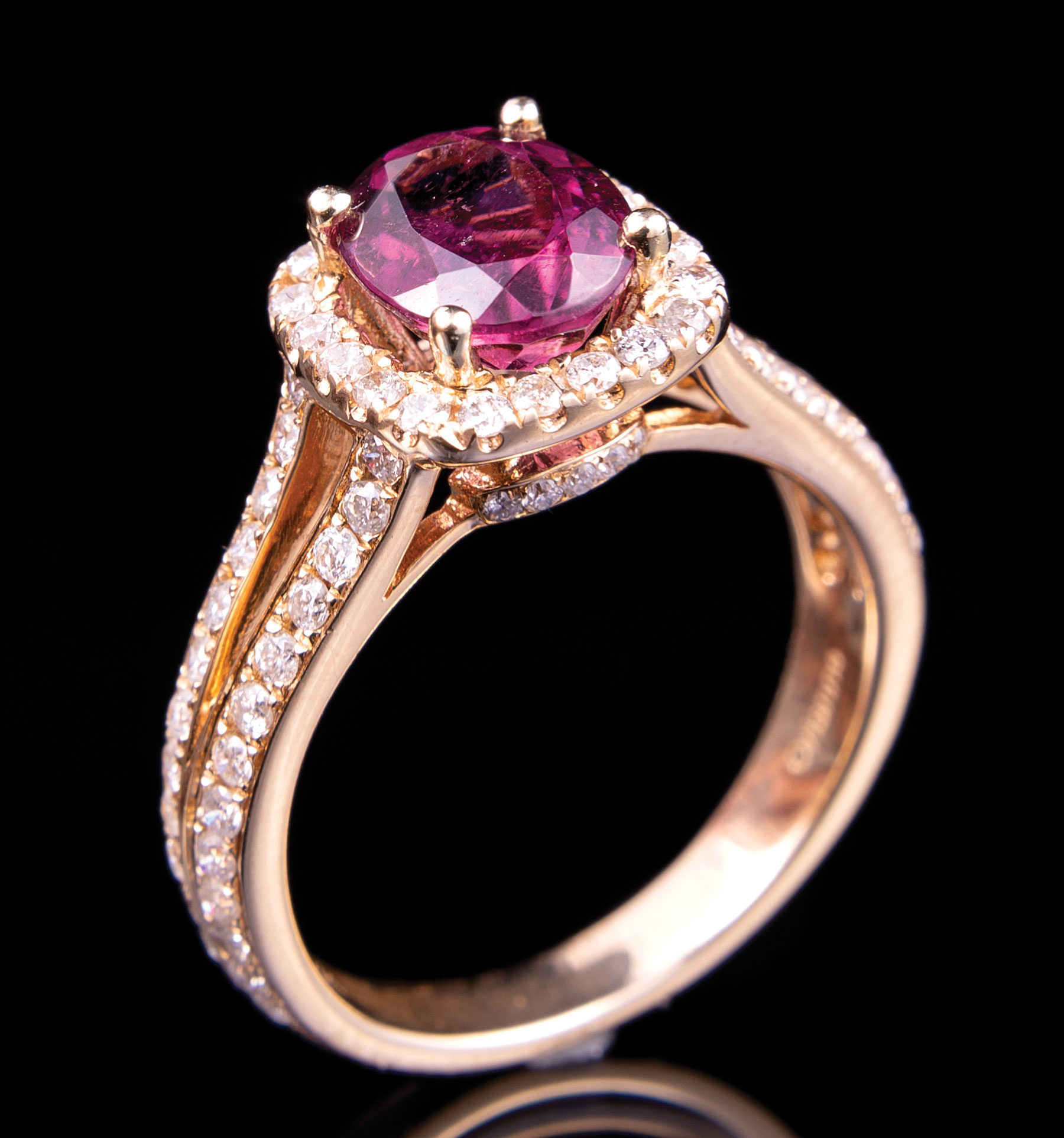 14 kt. Yellow Gold, Rubellite and Diamond Ring , prong set oval mixed cut rubellite, 8.50 x 6.80 x