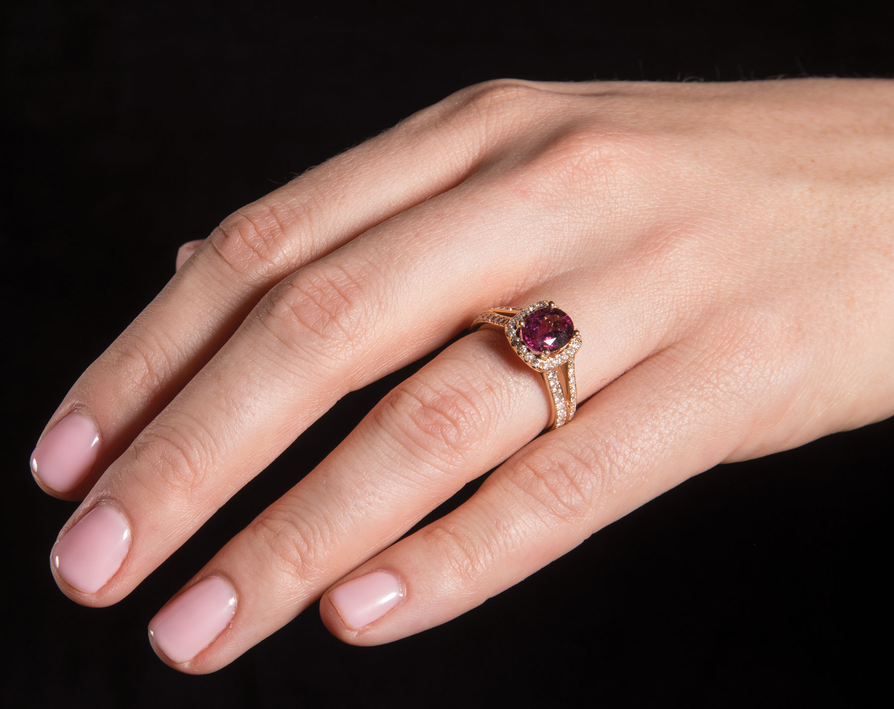14 kt. Yellow Gold, Rubellite and Diamond Ring , prong set oval mixed cut rubellite, 8.50 x 6.80 x - Image 2 of 3