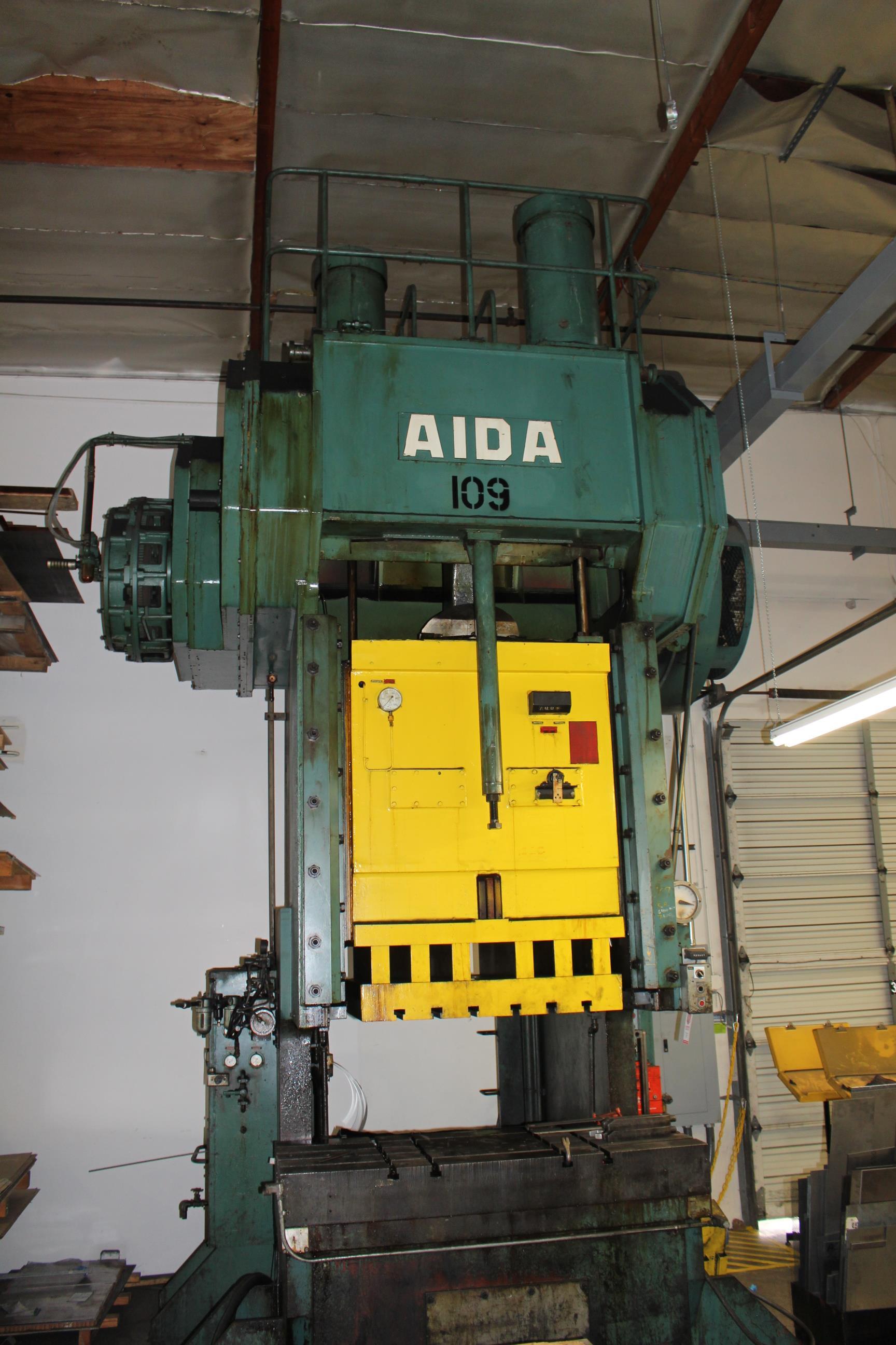 "AIDA MODEL PC-30 PUNCH PRESS, 300 TON CAPACITY,AIR CUSHION, 15.7"" STROKE, 30 SPM, 70"" X 30"" - Image 6 of 21"