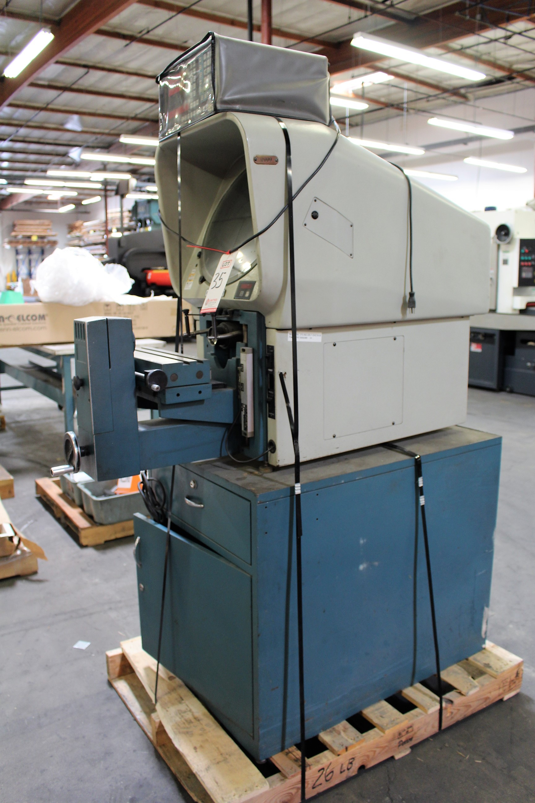 """Lot 35 - DELTRONIC OPTICAL COMPARATOR, MODEL DH14-MPC, XY DRO, 14"""" SCREEN, S/N A68121082"""