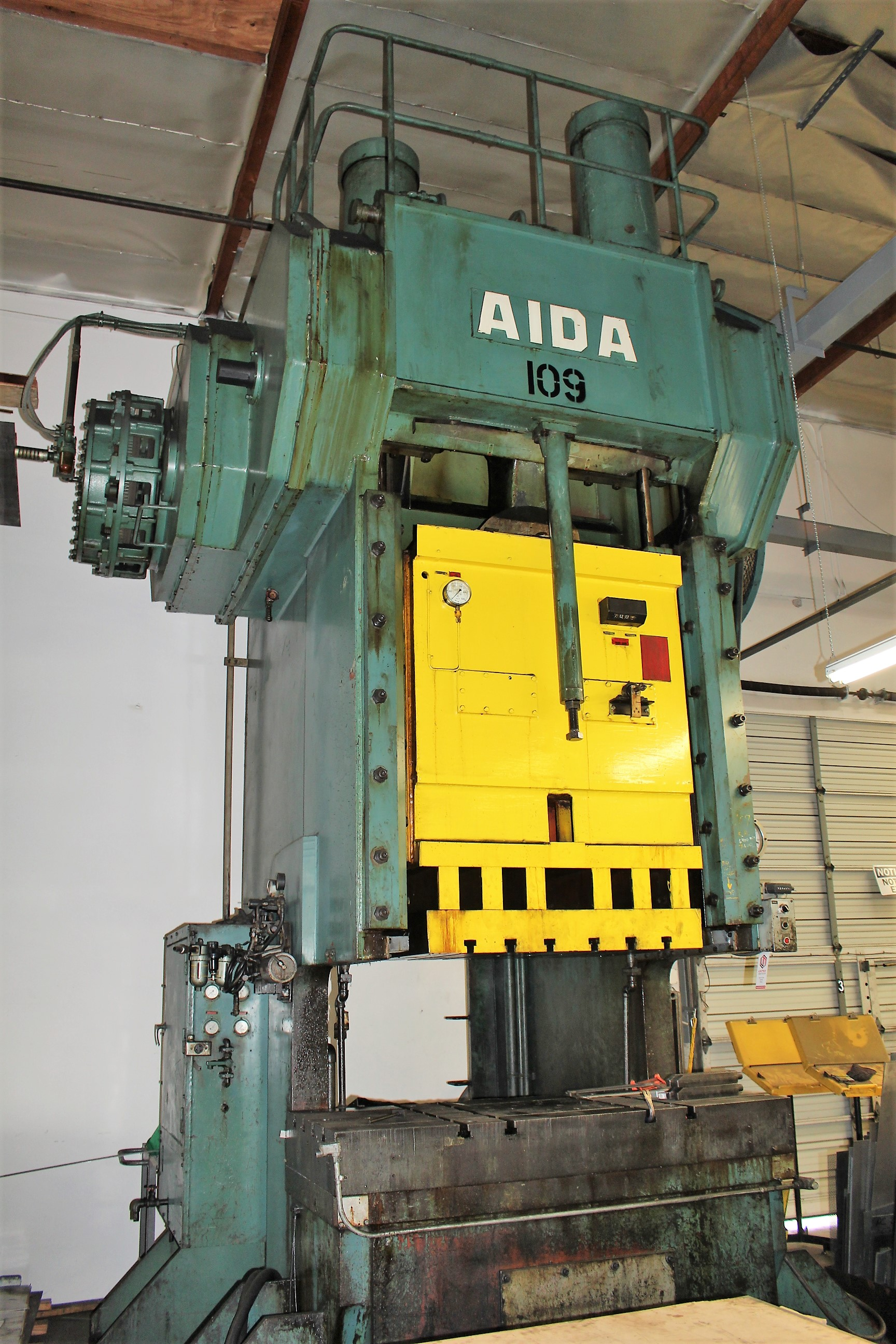 "AIDA MODEL PC-30 PUNCH PRESS, 300 TON CAPACITY,AIR CUSHION, 15.7"" STROKE, 30 SPM, 70"" X 30"" - Image 9 of 21"