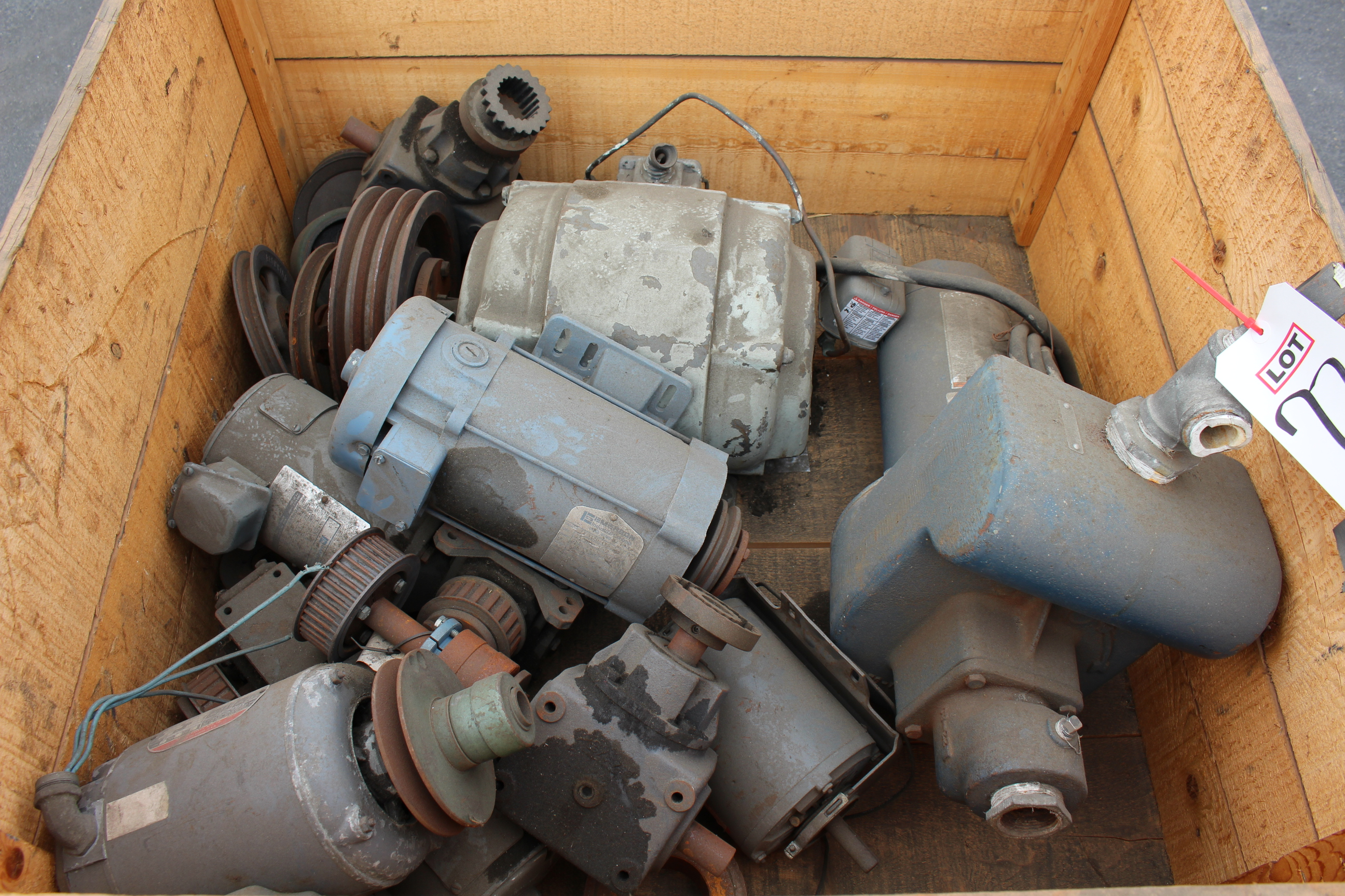 Lot 72 - LOT - CRATE OF MISC MOTORS