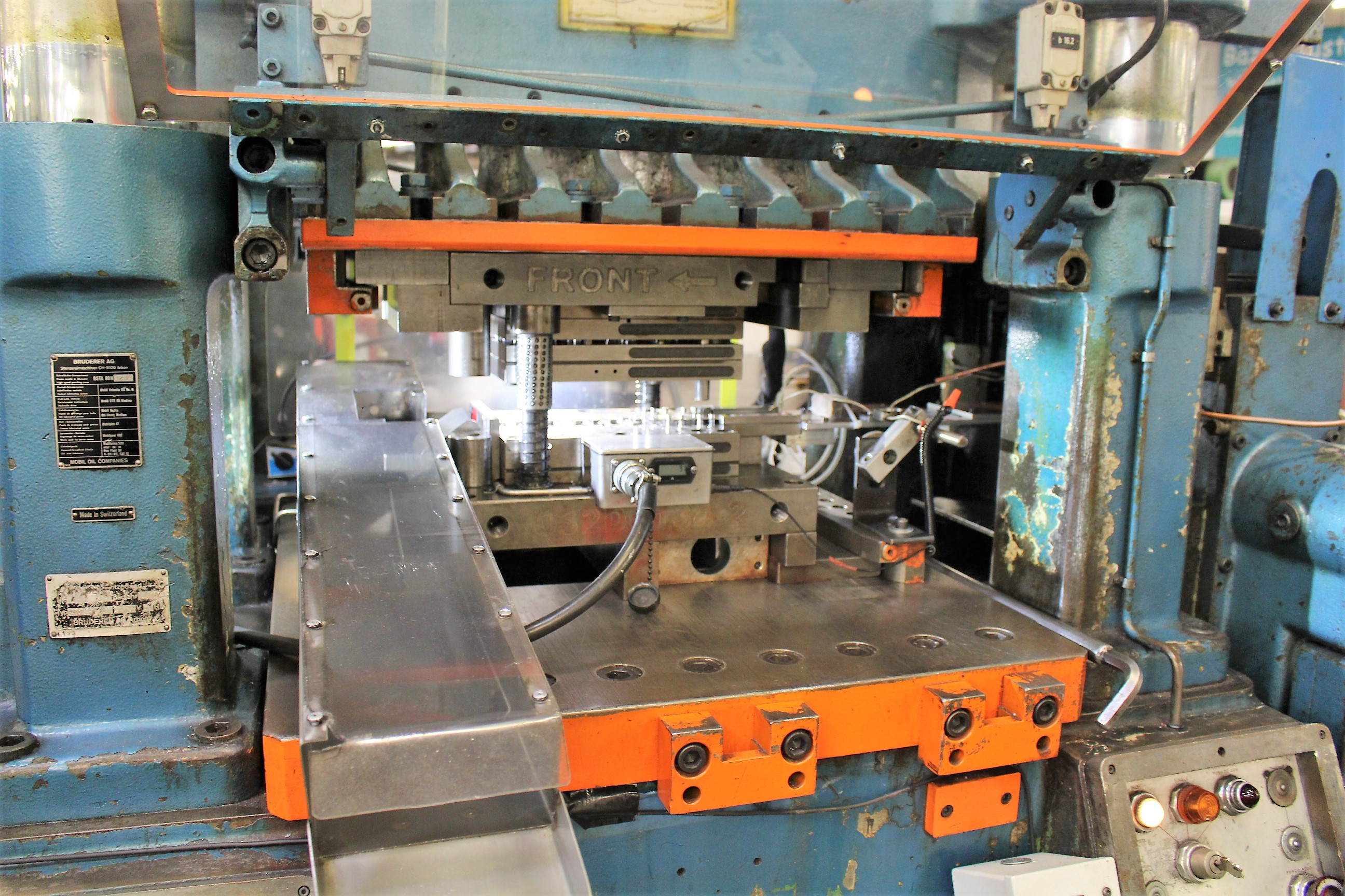 BRUDERER MODEL BSTA-60H HIGH SPEED STAMPING PRESS, 60-TON, DIE PRO 1500 WINTRISS DIE PROTECTION, 4 - Image 4 of 20