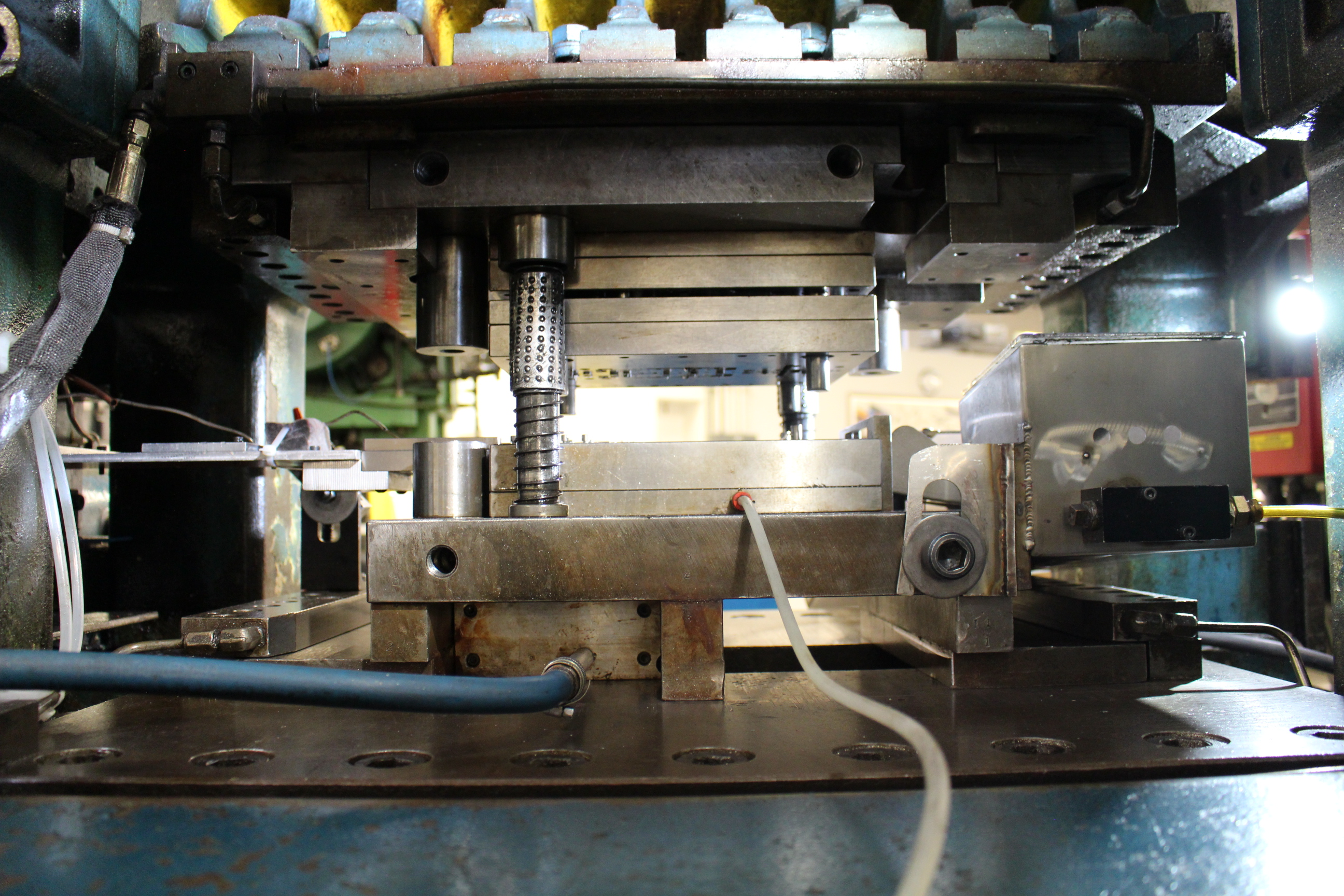 BRUDERER MODEL BSTA-60H HIGH SPEED STAMPING PRESS, 60-TON, DIE PRO 1500 WINTRISS DIE PROTECTION, 4 - Image 6 of 20