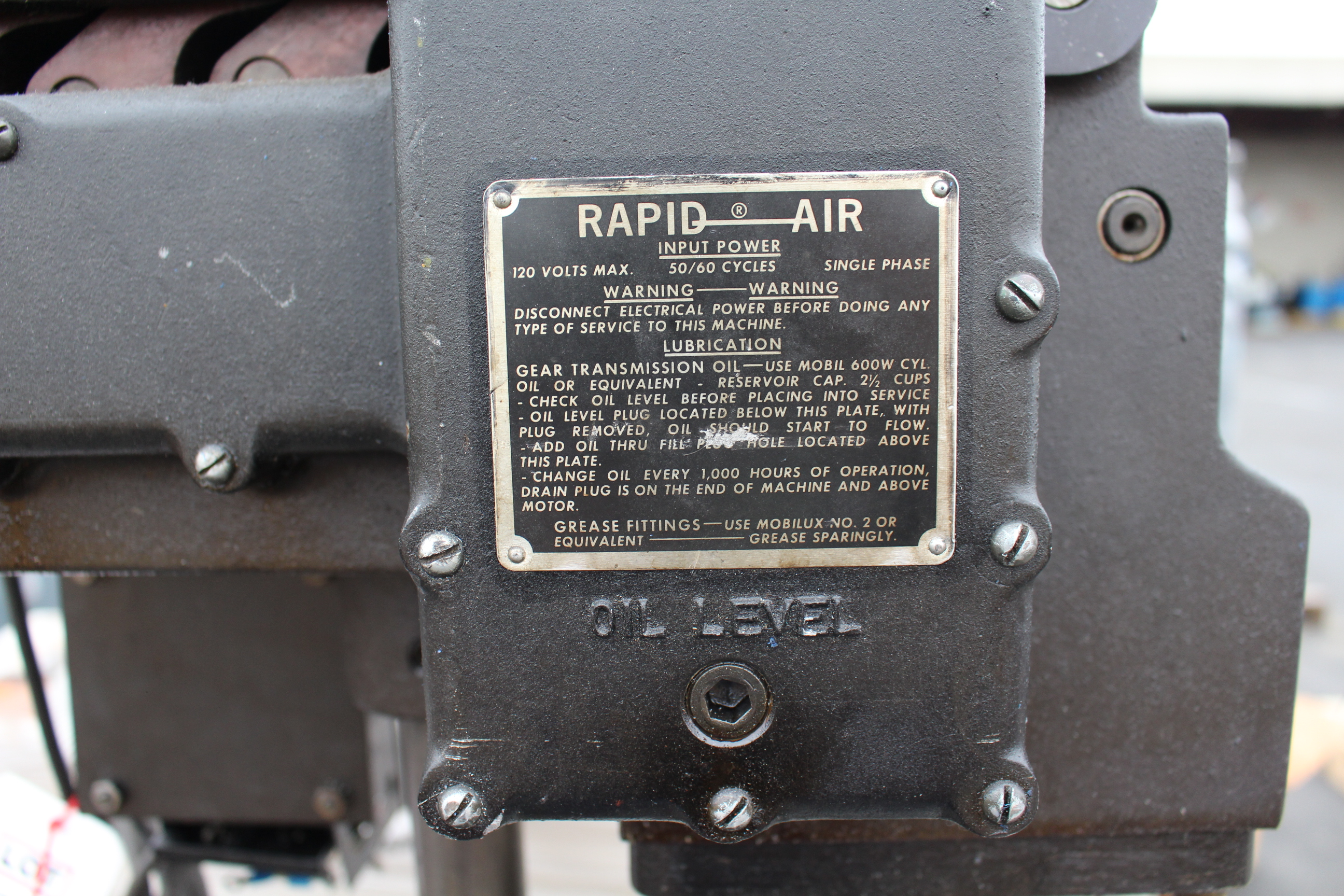 Lot 50 - RAPID AIR FEEDER