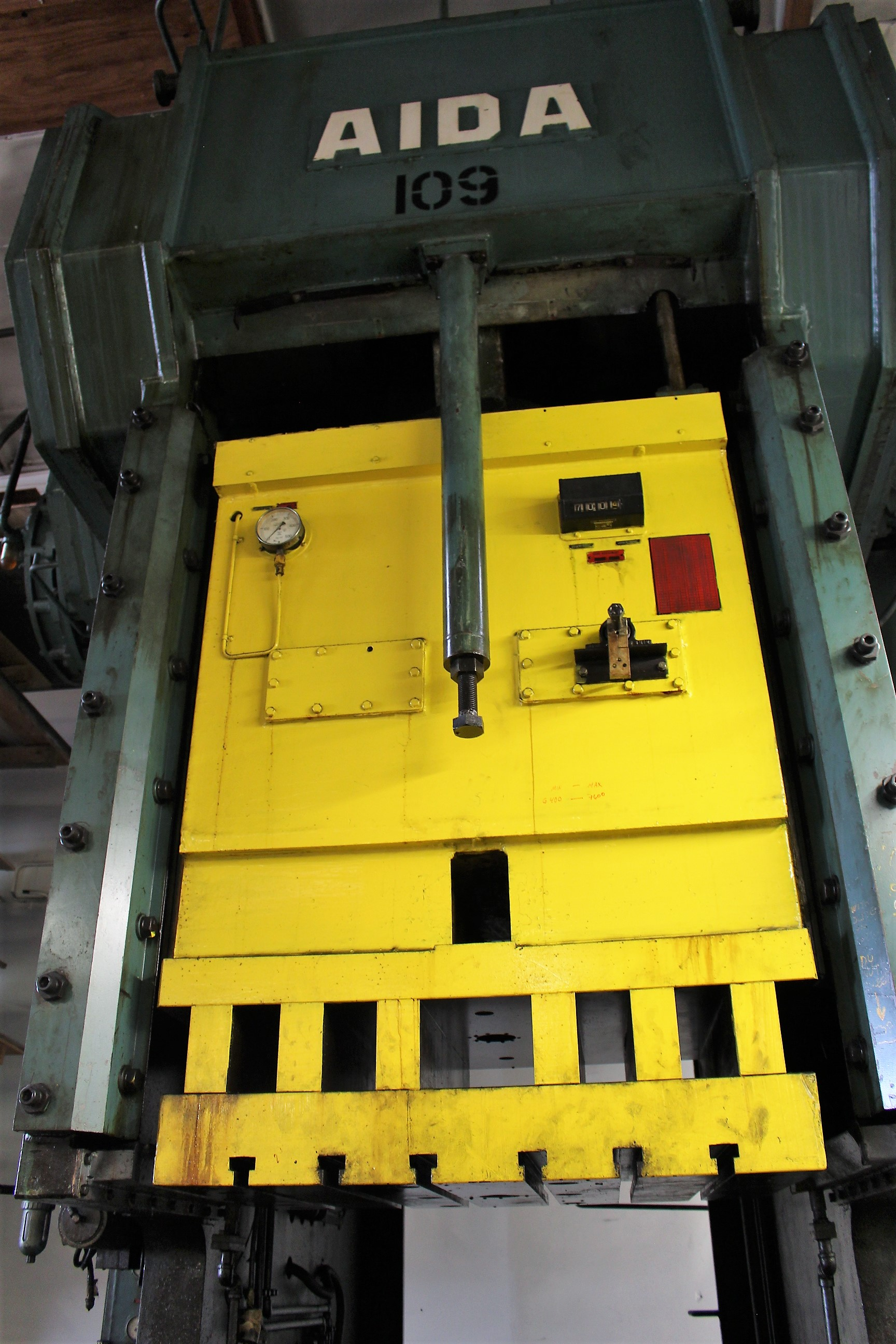 "AIDA MODEL PC-30 PUNCH PRESS, 300 TON CAPACITY,AIR CUSHION, 15.7"" STROKE, 30 SPM, 70"" X 30"" - Image 4 of 21"