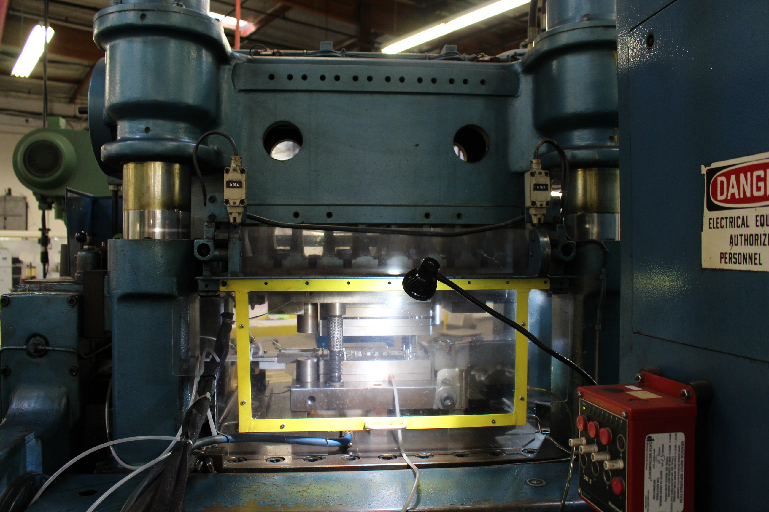BRUDERER MODEL BSTA-60H HIGH SPEED STAMPING PRESS, 60-TON, DIE PRO 1500 WINTRISS DIE PROTECTION, 4 - Image 15 of 20
