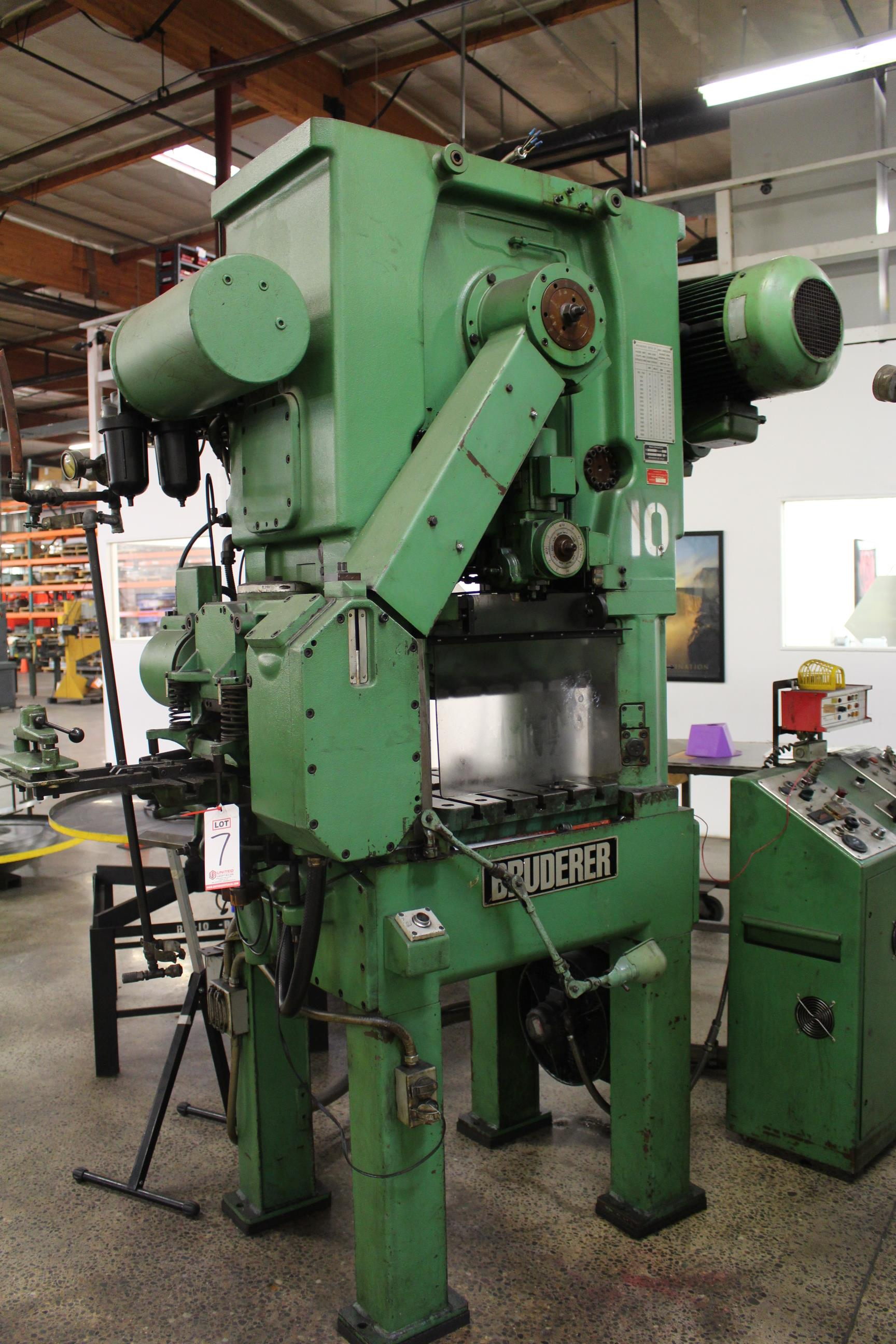 "BRUDERER MODEL BSTA 25 HIGH SPEED STAMPING PRESS, 25 TON CAPACITY, 21.26"" X 20.8"" BOLSTER, 100-1,500 - Image 2 of 8"