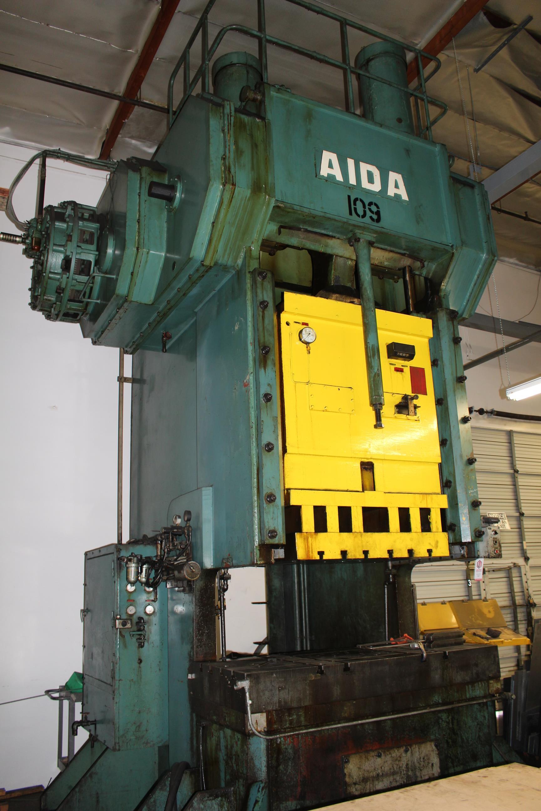 "AIDA MODEL PC-30 PUNCH PRESS, 300 TON CAPACITY,AIR CUSHION, 15.7"" STROKE, 30 SPM, 70"" X 30"" - Image 7 of 21"