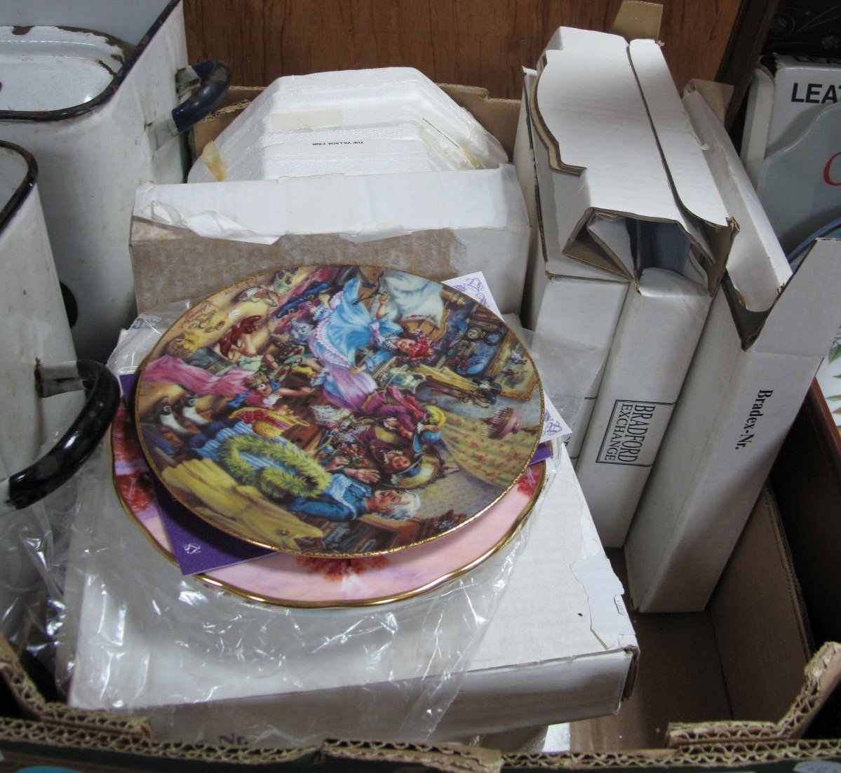 Lot 764 - Royal Doulton, Bradford Exchange Limited Edition Christmas Plates, including German Christmas