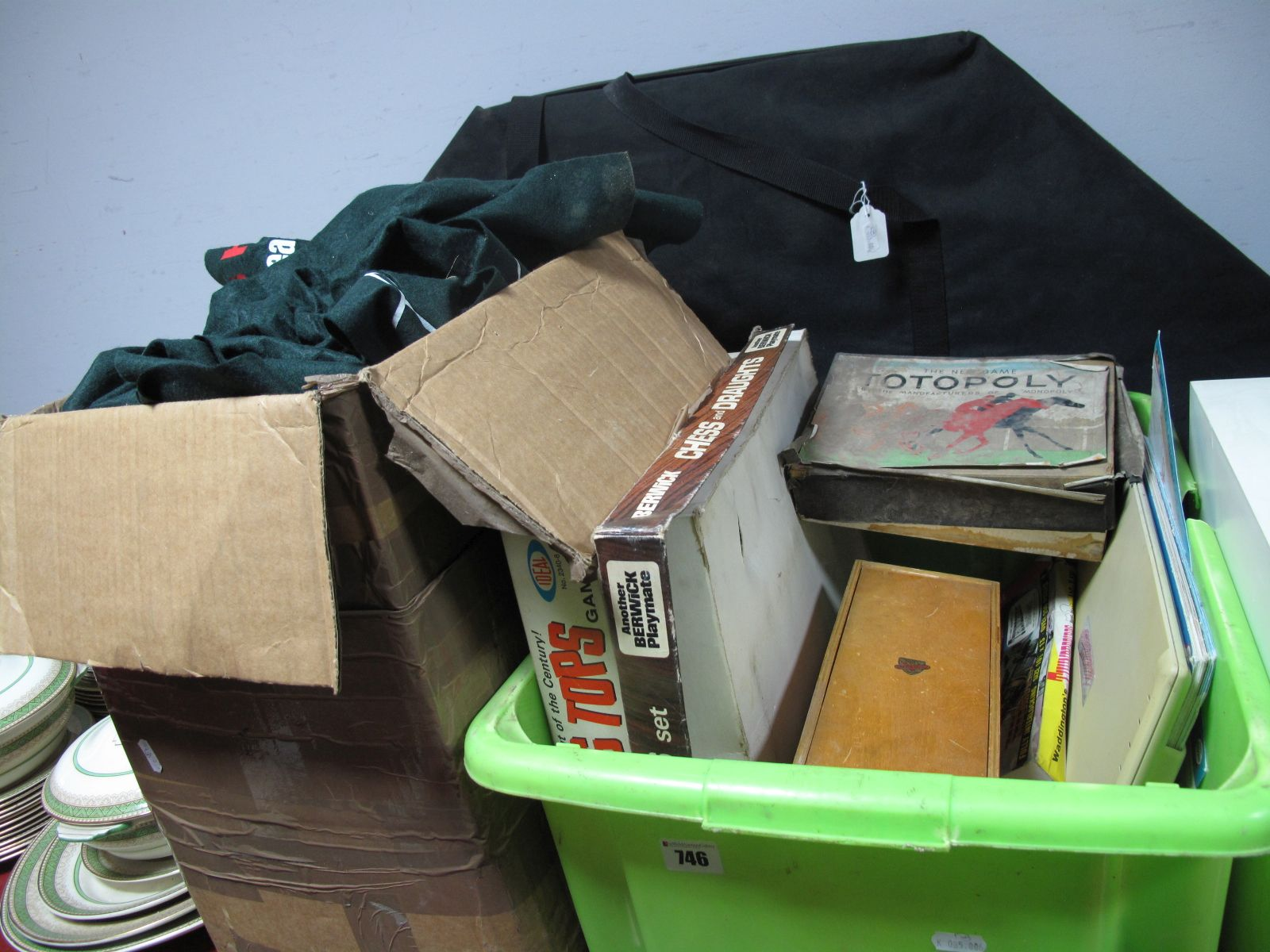 Lot 746 - A Poker Board, in carry case, chips, roulette wheel, Geosafari, Nicoltoys skates, Totopoly, other