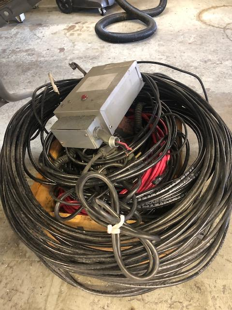 Lot 86 - Box of scrap wire