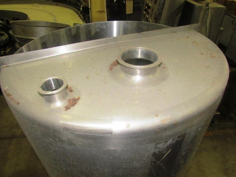 "Lot 52 - CFR Model 7K-101-65 GAL. S/S single wall tank 65 Gallon Capacity. 30"" Dia. 30"" Deep. ½ top covered"