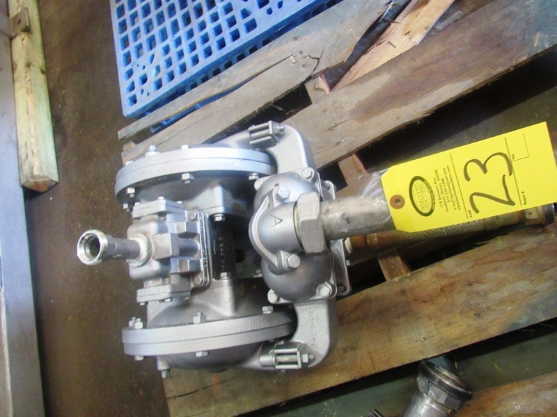 "Lot 23 - Sandpiper Mdl. HDB11/2SGN7SI Air Operated Diaphragm Pump, 1"" inlet/2"" outlet"