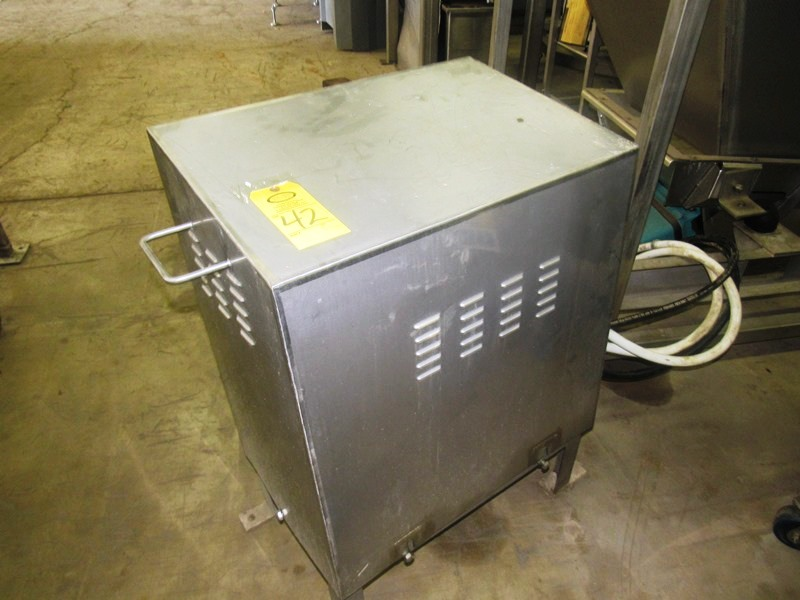 Lot 42 - Hydraulic Power Pack, 5 h.p., 208/230/460 volt motor, stainless steel enclosure