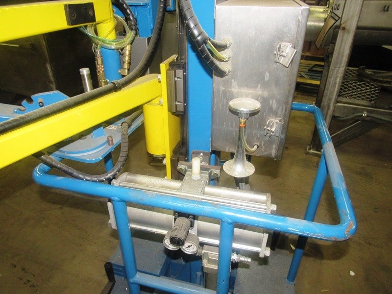 Lot 51 - Strongarm Manipulator Model PVTPC-75, pneumatic/vertical travel/portable cart/75 lb. capacity