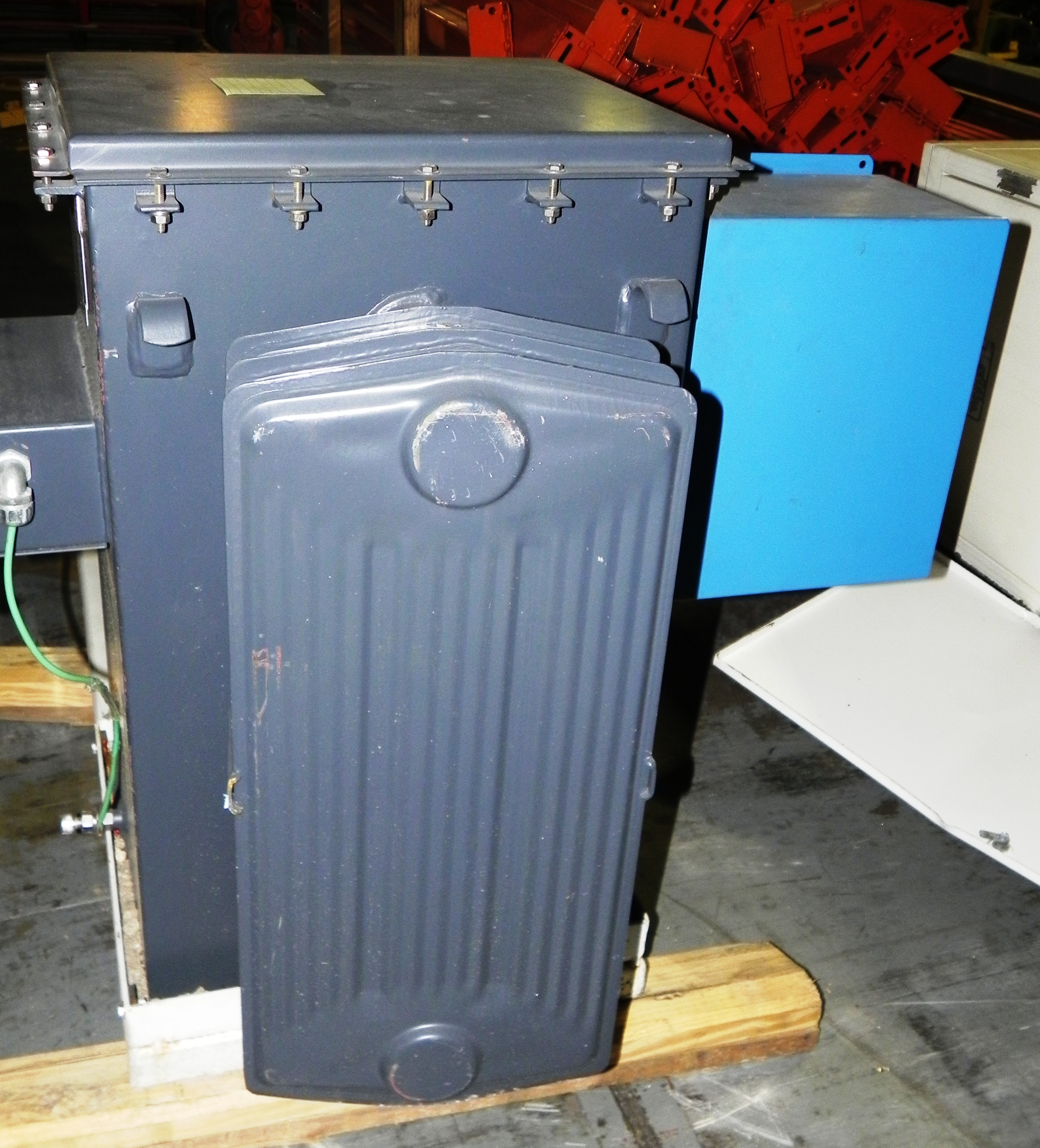 Lot 87 - NWL 34 KVA Transformer Model 36455