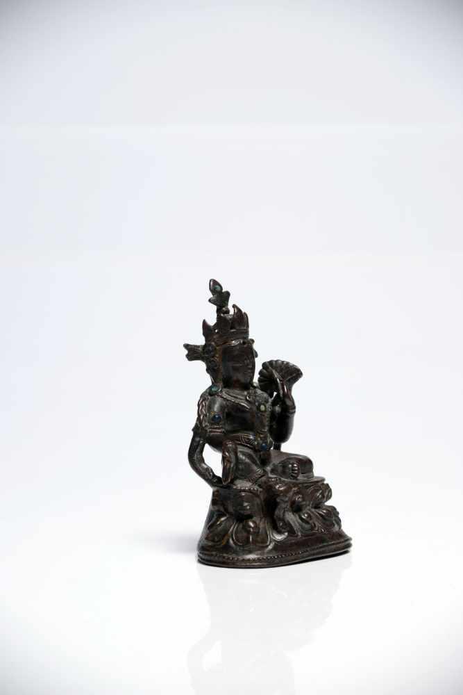 Los 50 - Green TaraBronzeTibet13th ctH: 10 cmGreen Tara is a peaceful Bodhisattva from Tibetan buddhism in...