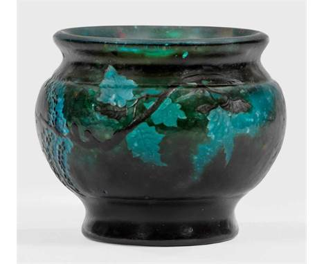 "Bedeutende geschnittene Gallé-Vase  Bedeutende geschnittene Gallé-Vase    Bedeutende geschnittene Gallé-Vase    Sog. ""Monds"