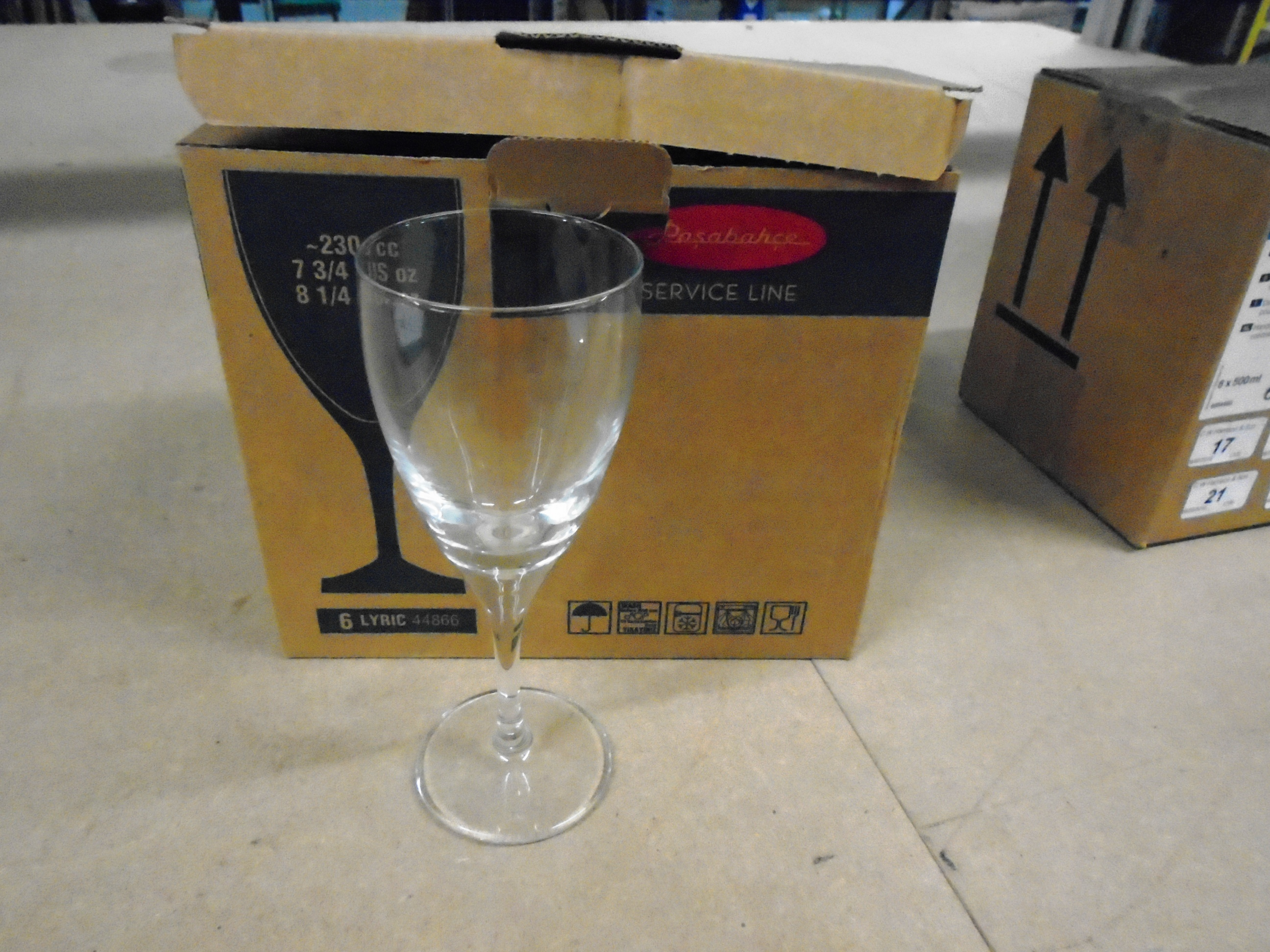 Lot 25 - 342 x Pasabahce service line 8oz wine glasses