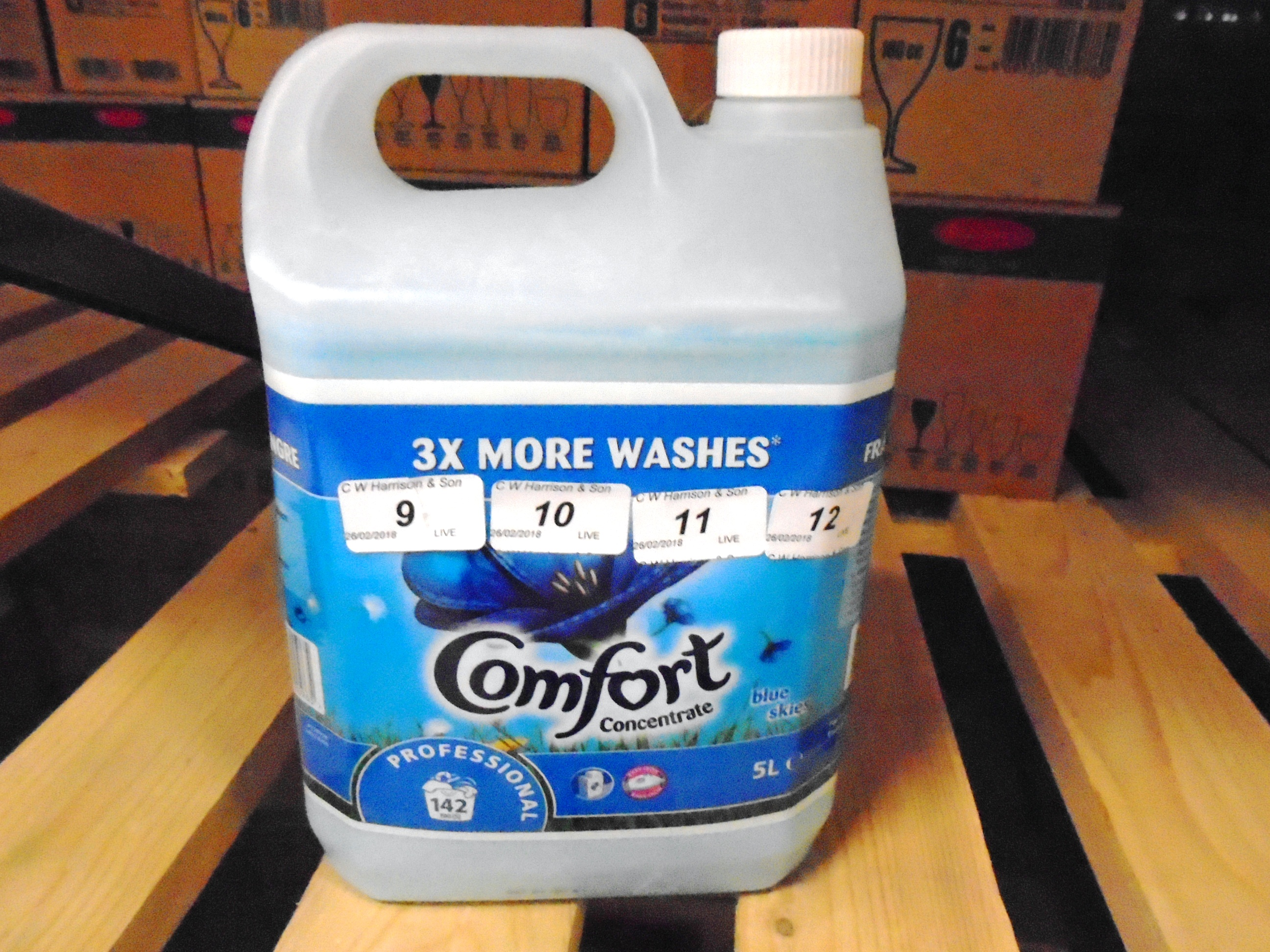 Lot 9 - 10 x 5 litre tubs of Comfort concentrate blue skies fabric conditioner