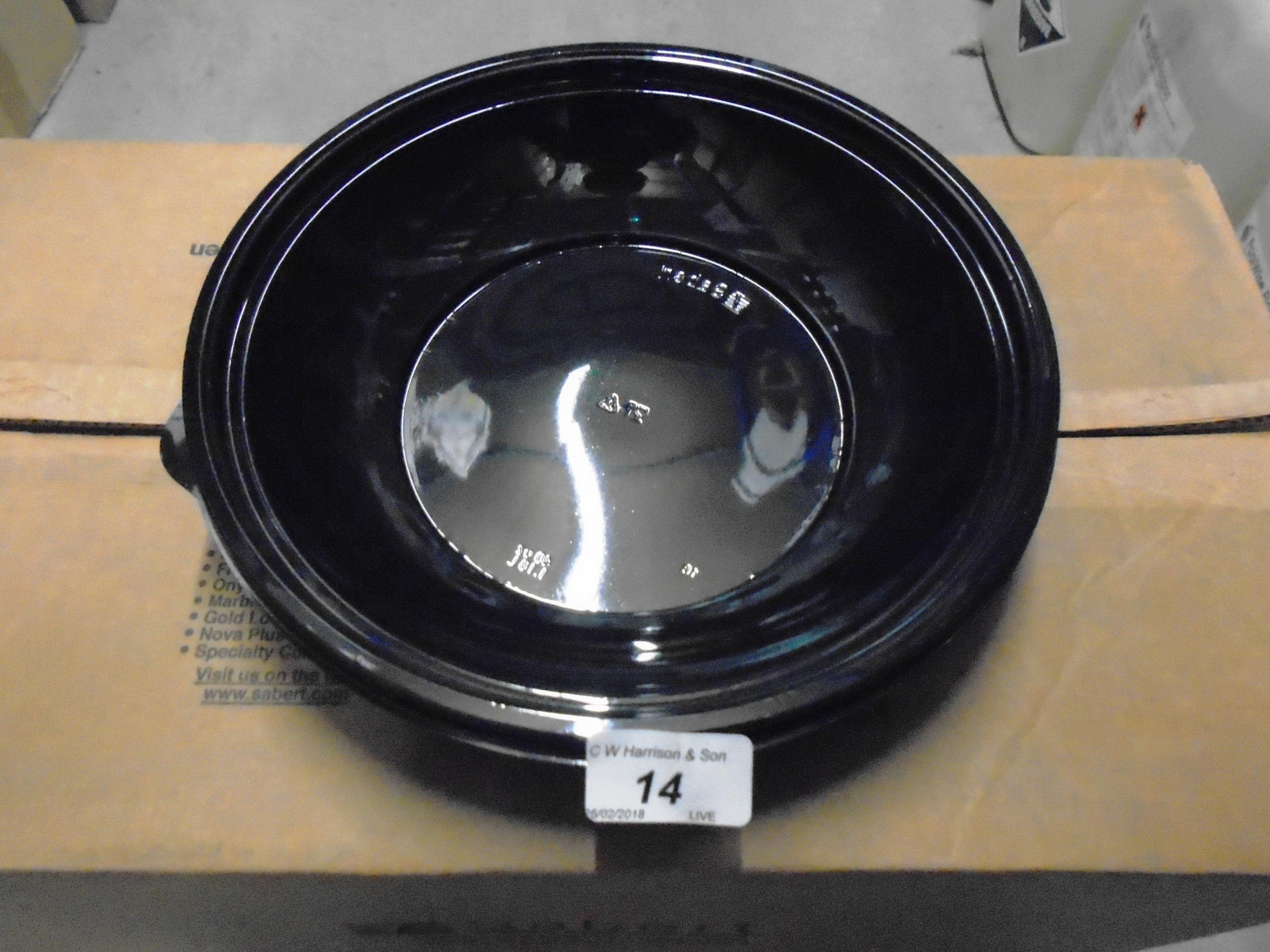 Lot 14 - 1300 x Sabert 40 0z black shallow bowls (13 x outer boxes)
