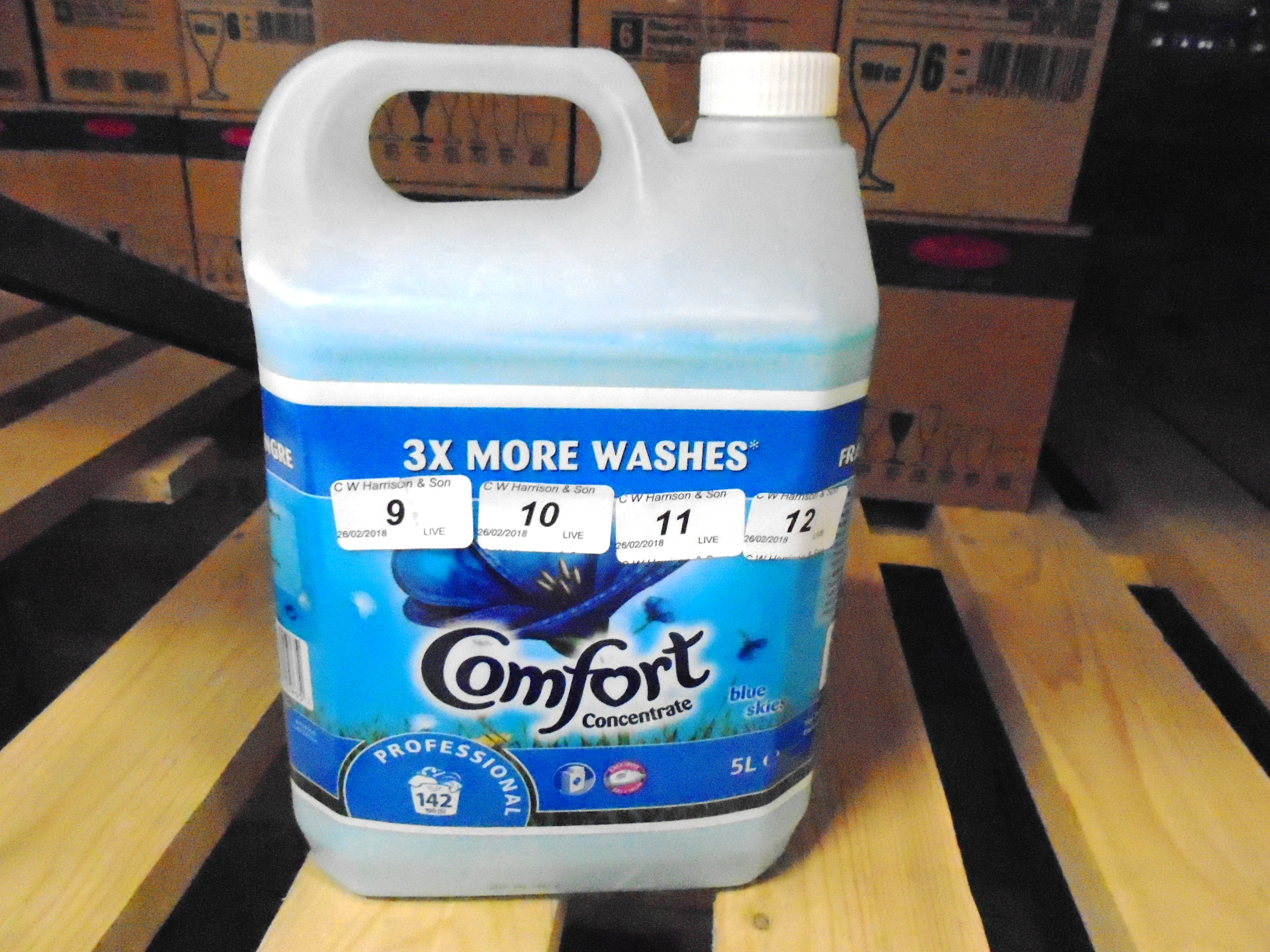 Lot 12 - 10 x 5 litre tubs of Comfort concentrate blue skies fabric conditioner