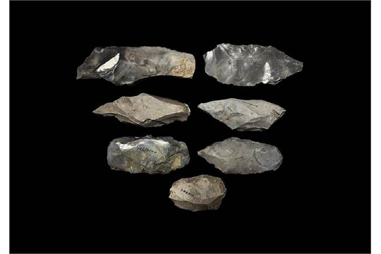 reproduction Grand stone age flint  tool Danish type flint knapping