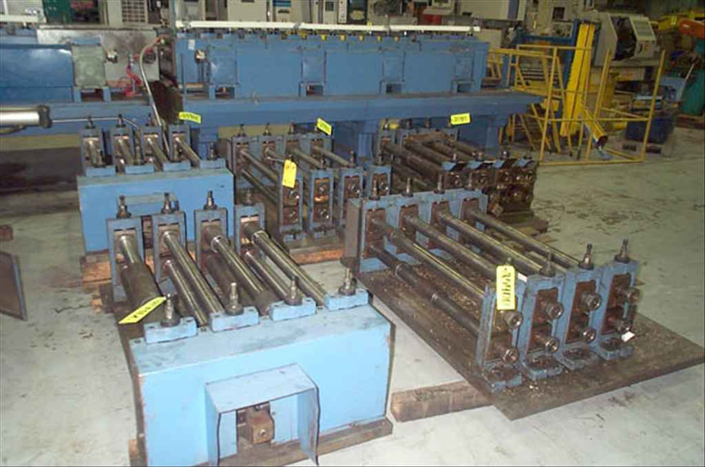 """Lot 42 - CONTOUR ROLLFORMER, (est.) new 1996, 32-stand, 2-1/2"""" shaft dia., (8) 4-stand shafts, 40"""" roll"""