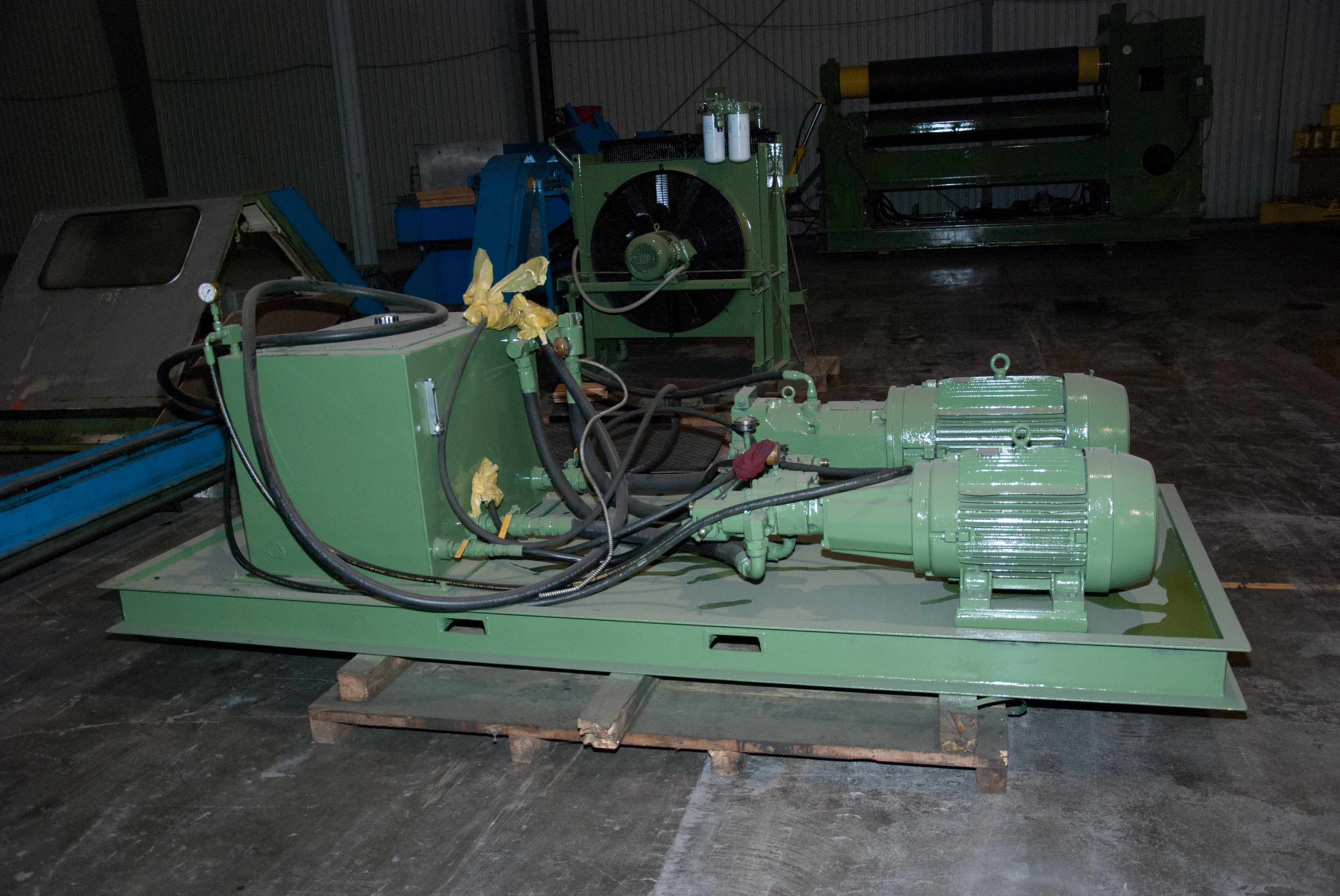 "Lot 38 - ROUNDO 10' X 1-5/8"" MDL. PS 500/10 DOUBLE PINCH PLATE BENDING ROLL, 19.69"" roll dia., 85 HP motor,"
