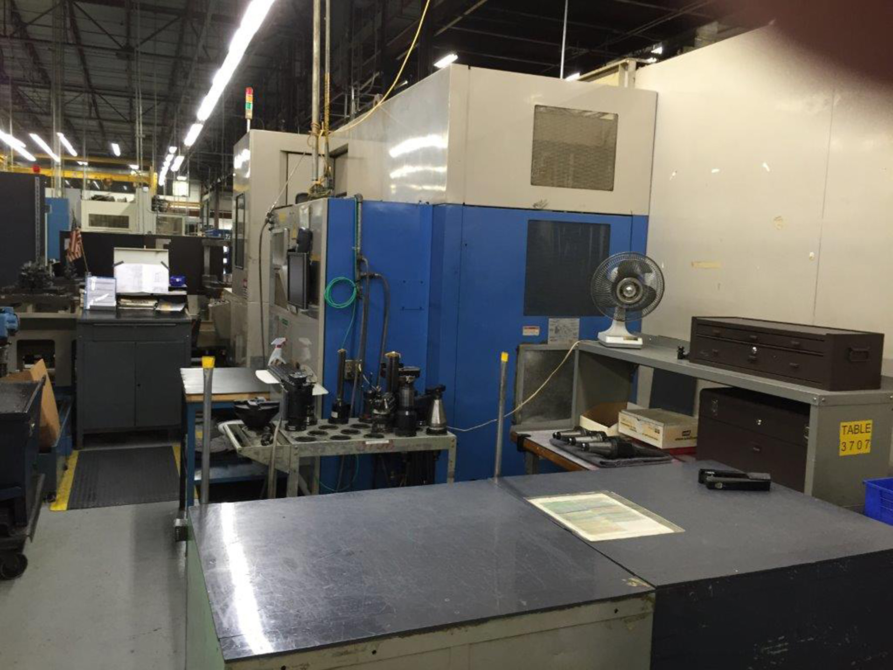 Lot 26 - MANUFACTURING CELL CONSISTING OF: (2) MAZAK MDL. H-630 CNC HORIZONTAL MACHINING CENTERS, new 1994,