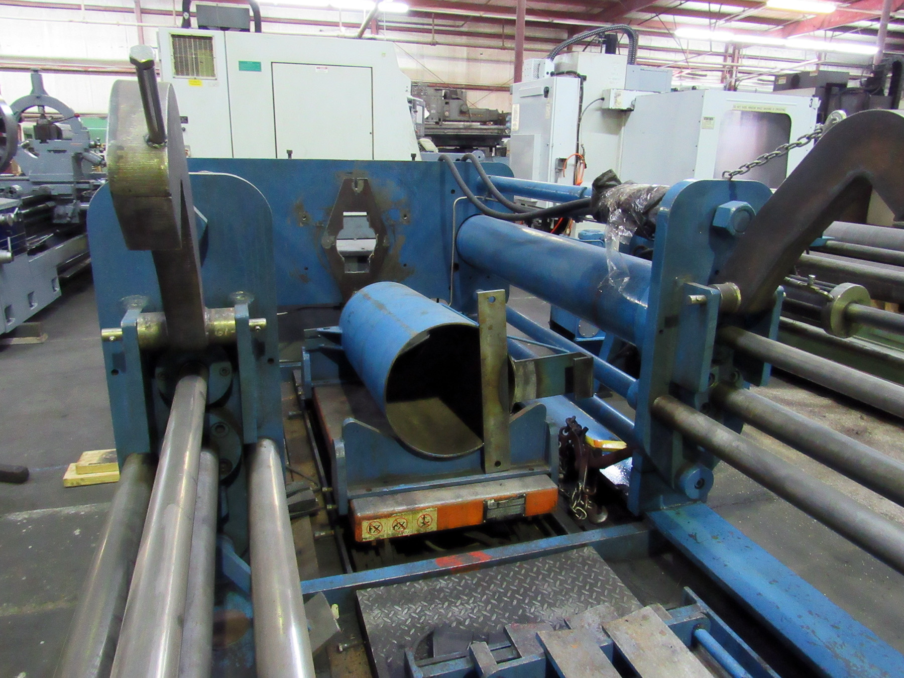 Lot 34 - PUSH/PULL COMPRESSION/FORCING PRESS, Hogan hyd. tank, (2) Presto 6,000 lb. cap. hyd. lift tables,