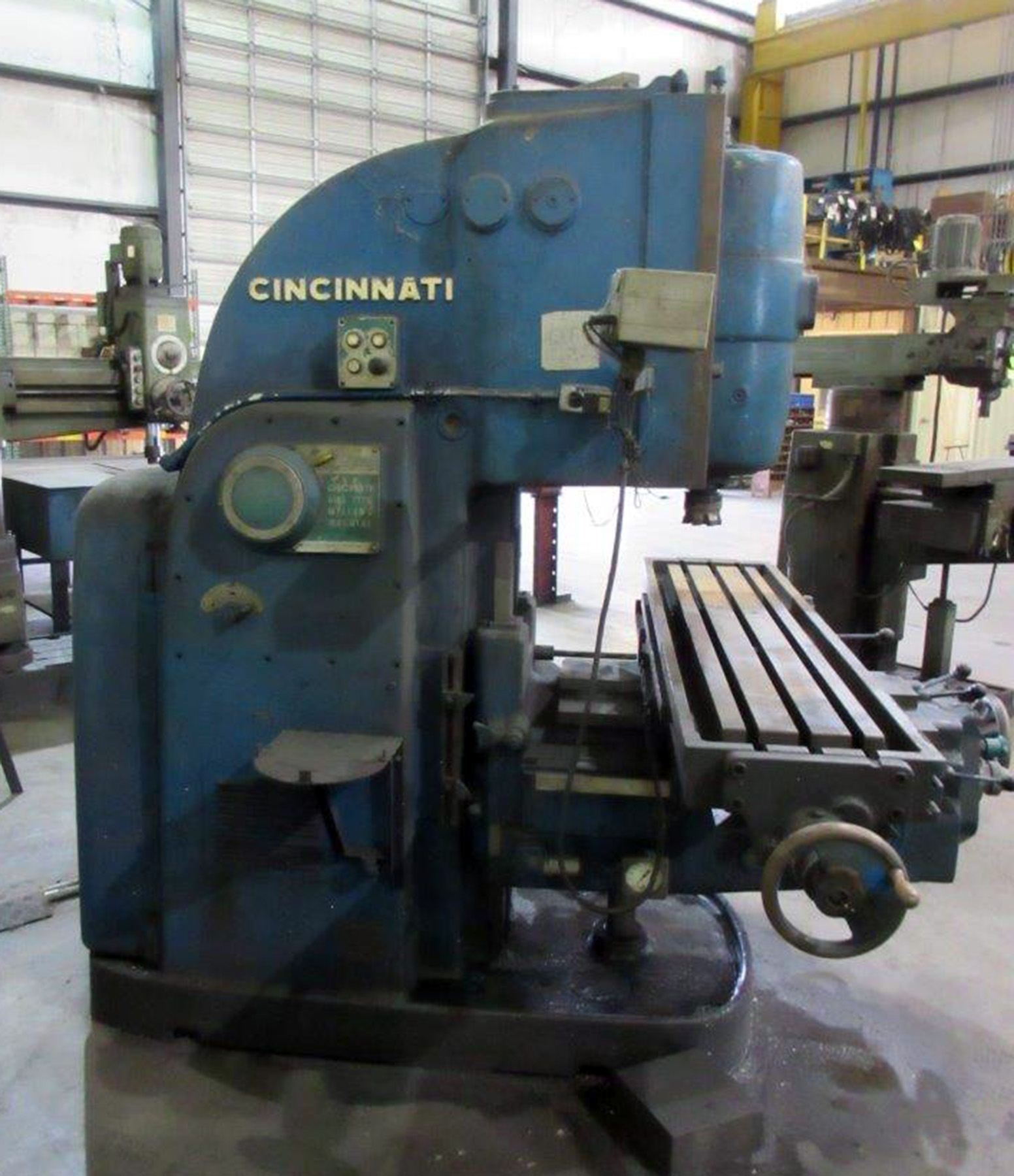 "Lot 55 - CINCINNATI NO. 3 DIAL TYPE VERTICAL MILL, 10"" x 60"" table, 34"" table long. travel, 12"" cross travel,"