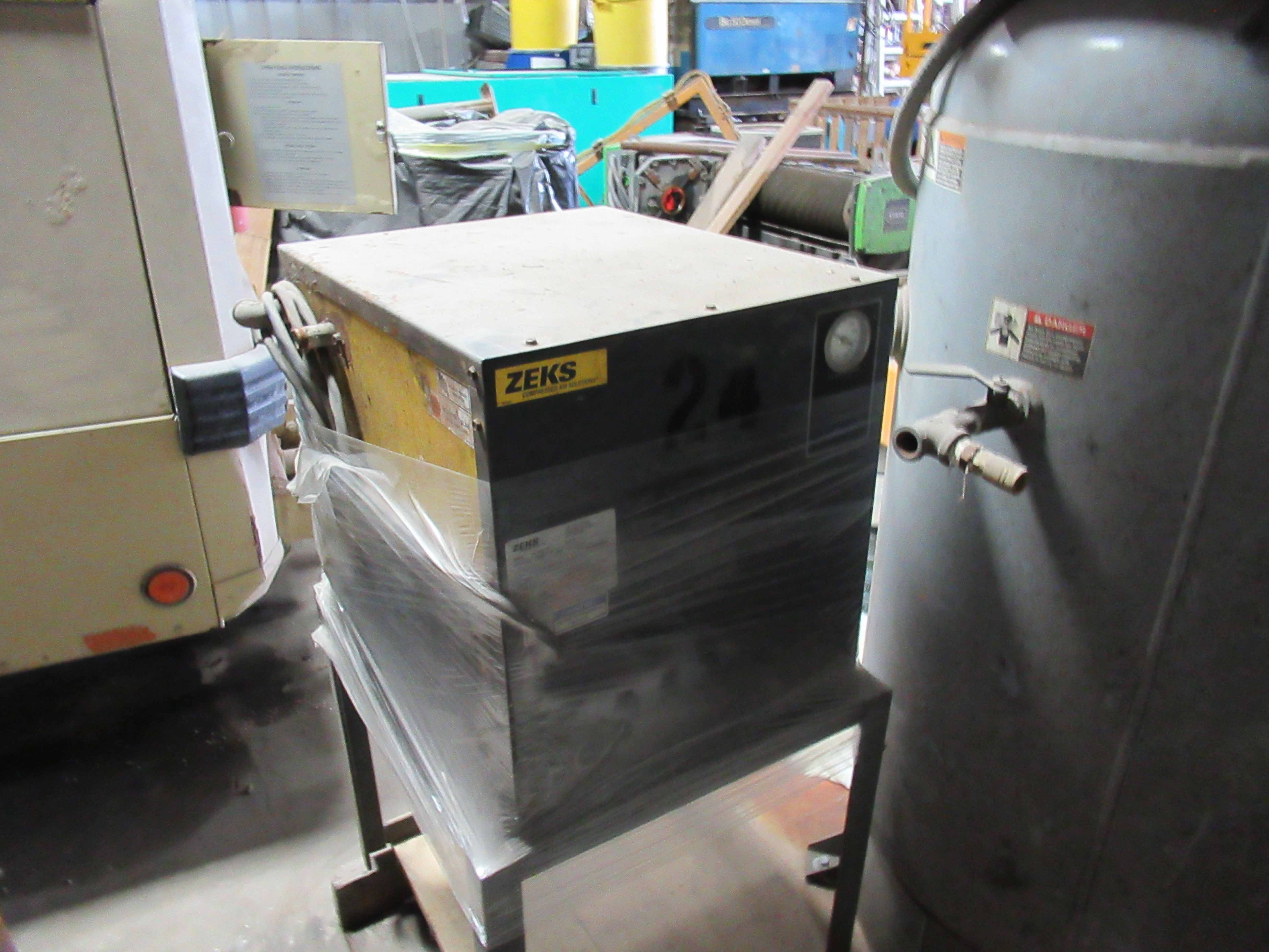 Lot 9 - ZEKS MDL. HTA030A100 AIR COMPRESSOR, R22 refrigerant. Seller will load for an additional charge.