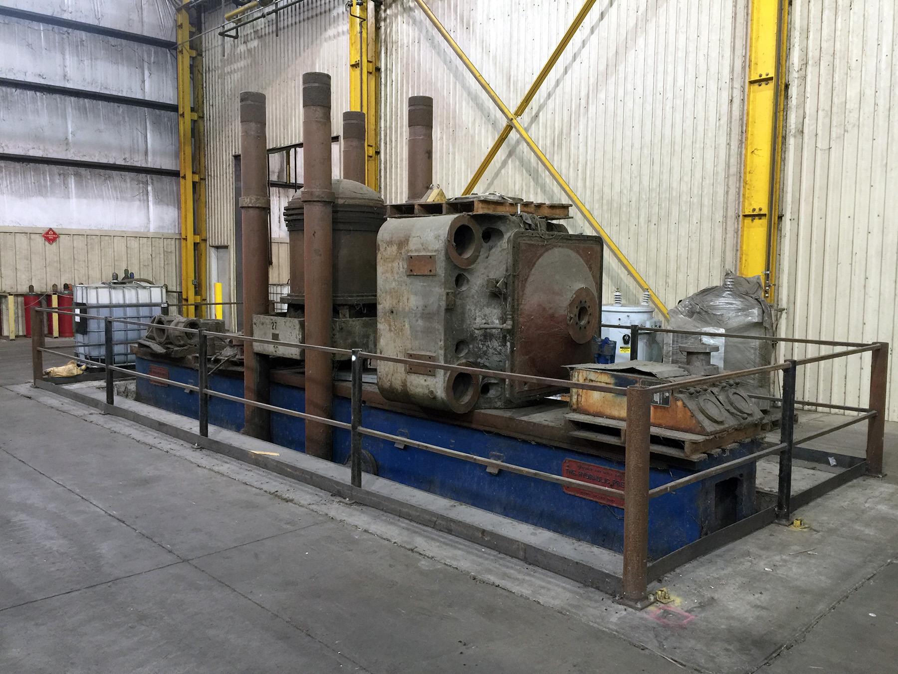 Lot 60 - CUSTOM HYDRAULIC TRAVELING HEAD AND STRAIGHTENING PRESS, 1,500 T. CAP., approx. 3' x 28' bed, 48""