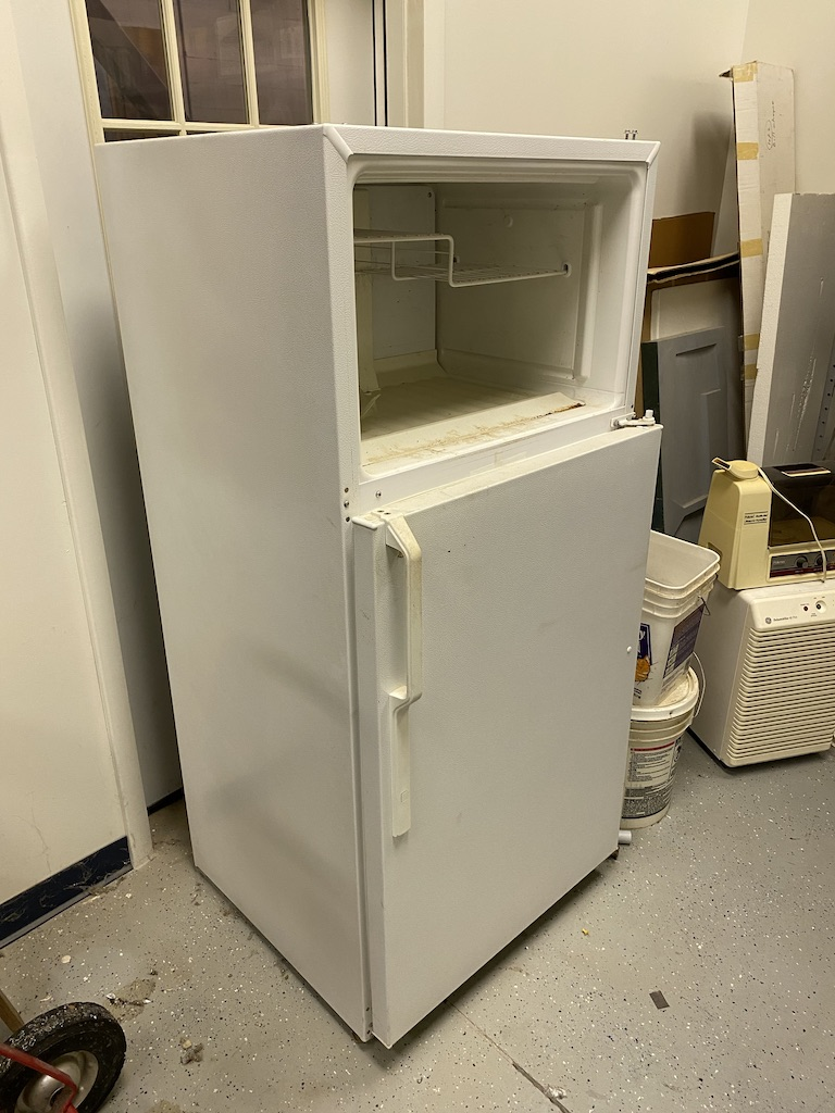 Lot 35 - Cafeteria appliances