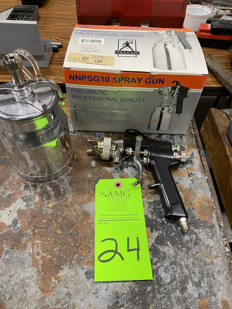 Lot 24 - Paint spray gun set